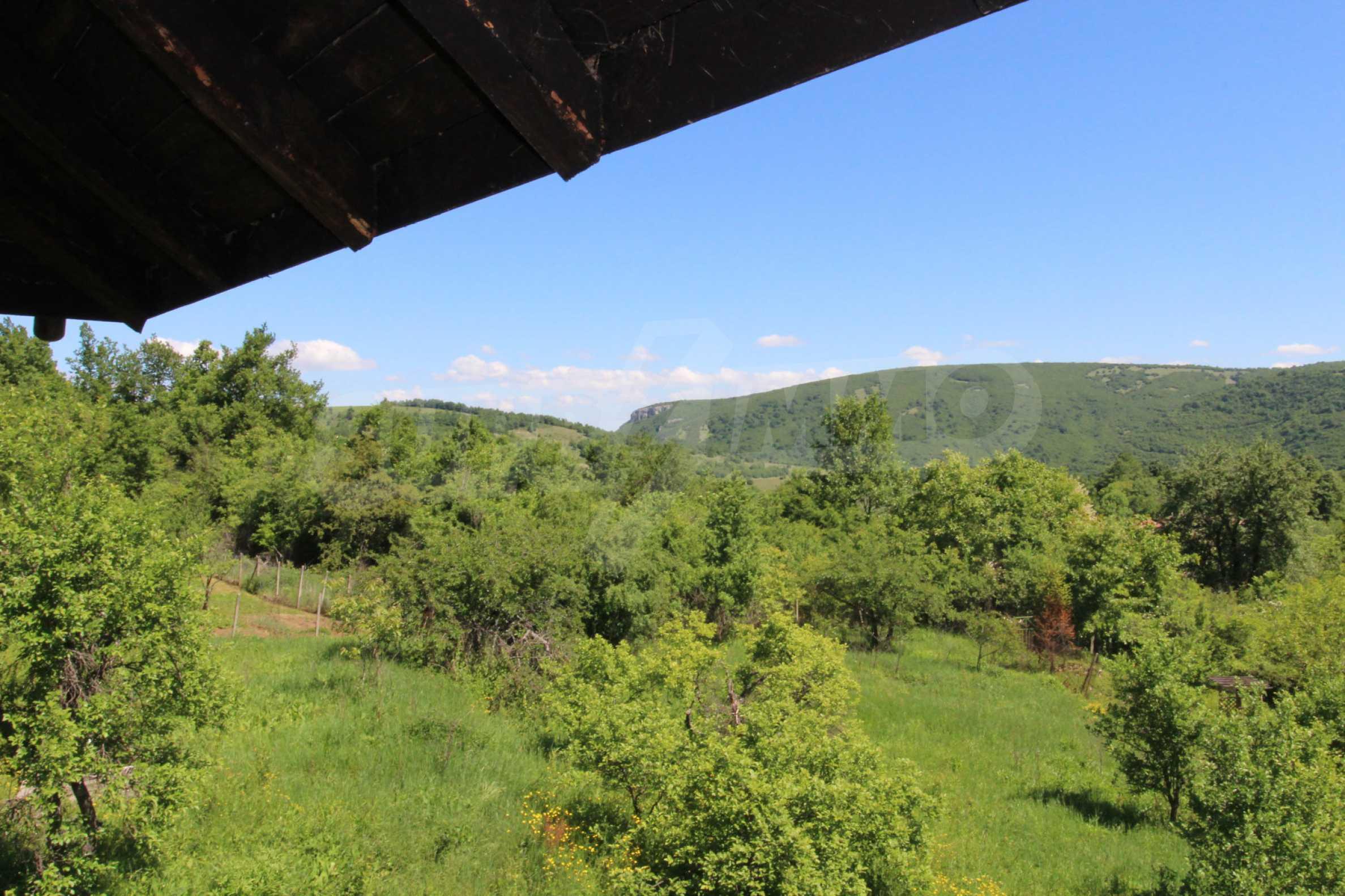 Реновиран и обзаведен имот с басейн на 7 км от Габрово 34