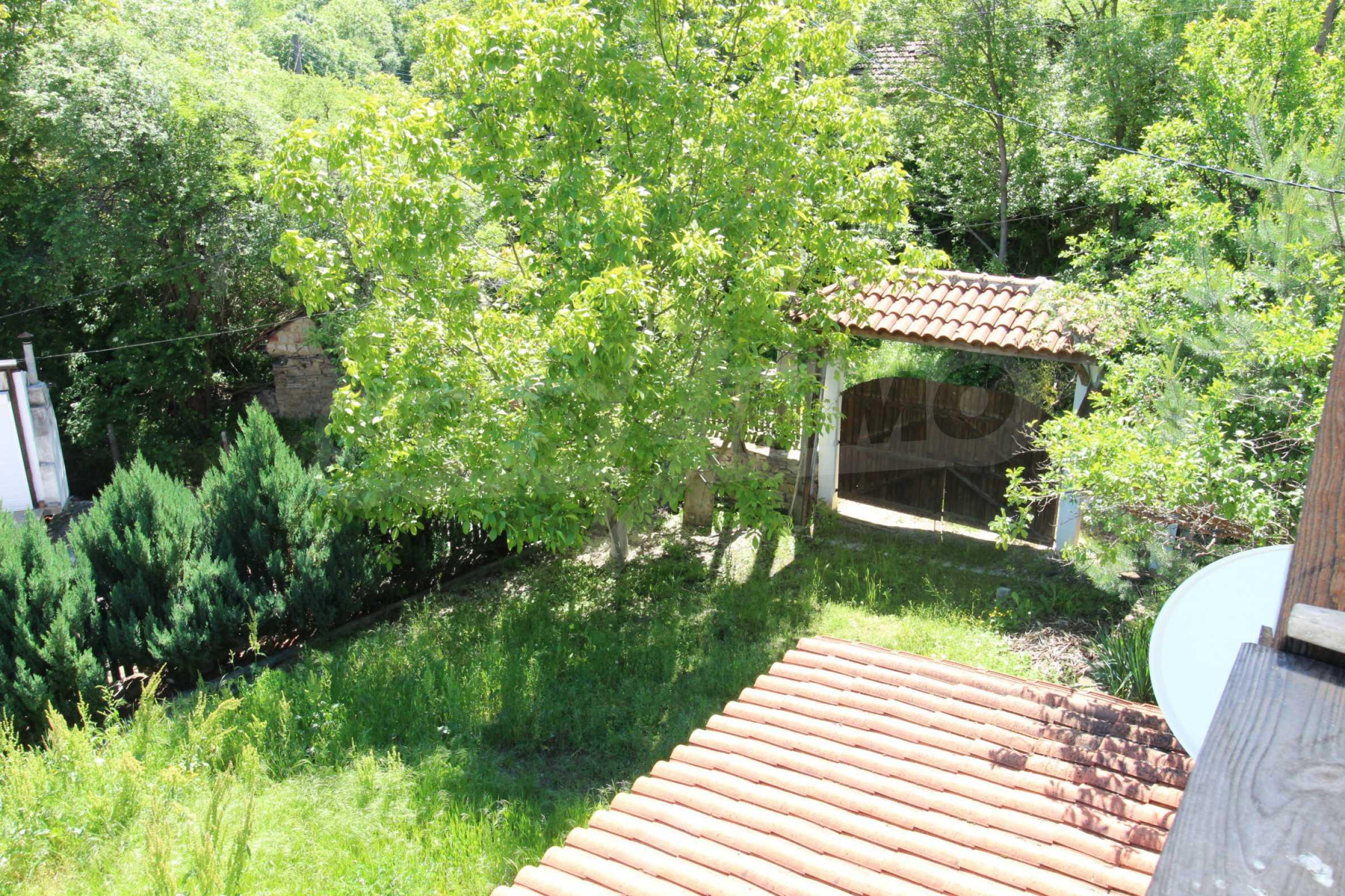 Реновиран и обзаведен имот с басейн на 7 км от Габрово 36
