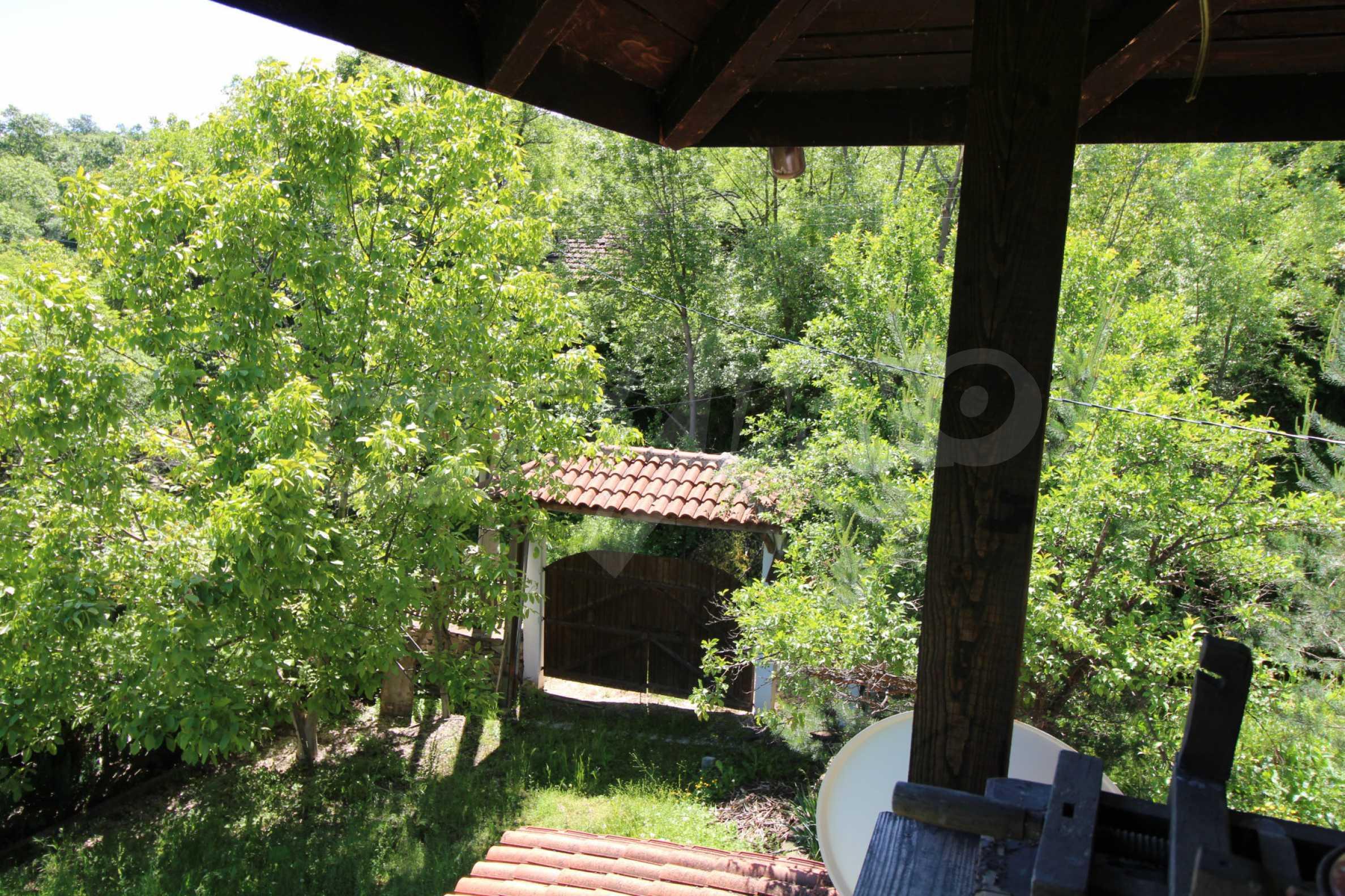 Реновиран и обзаведен имот с басейн на 7 км от Габрово 37