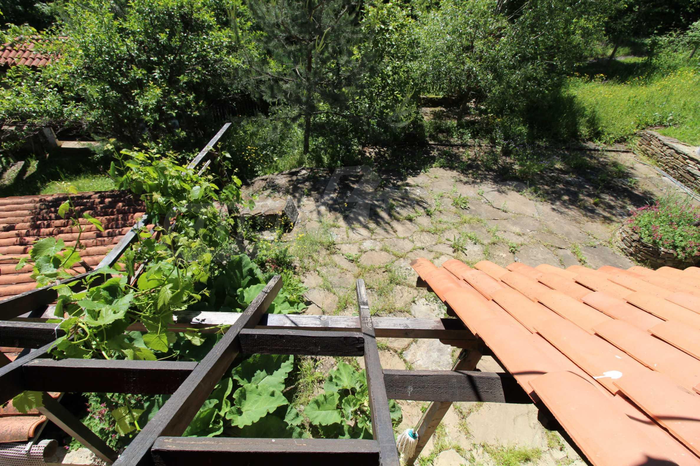 Реновиран и обзаведен имот с басейн на 7 км от Габрово 41