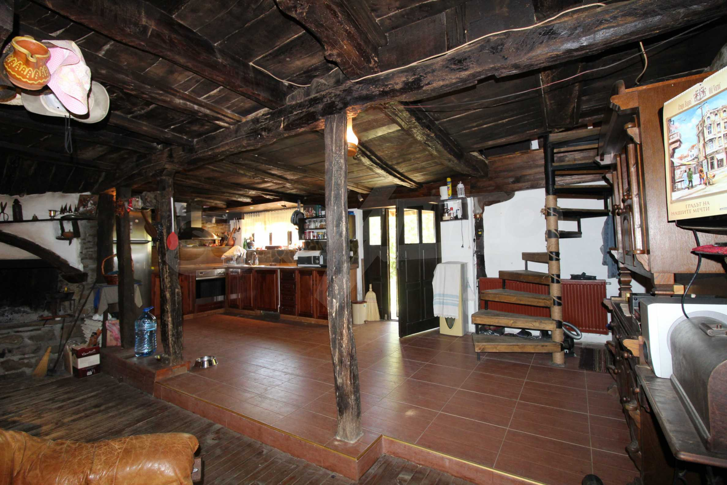 Реновиран и обзаведен имот с басейн на 7 км от Габрово 49
