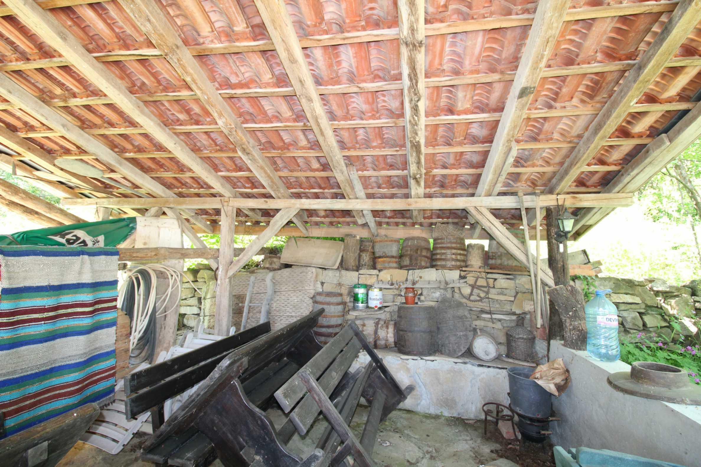 Реновиран и обзаведен имот с басейн на 7 км от Габрово 51