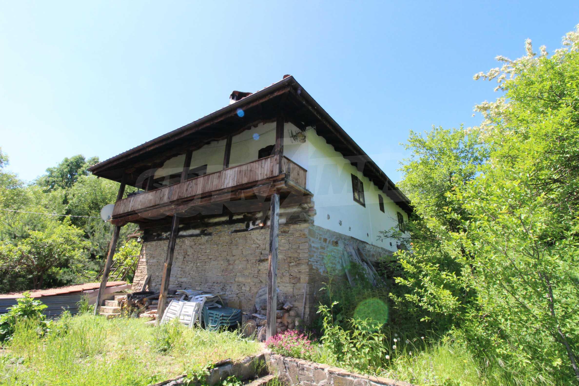 Реновиран и обзаведен имот с басейн на 7 км от Габрово 54