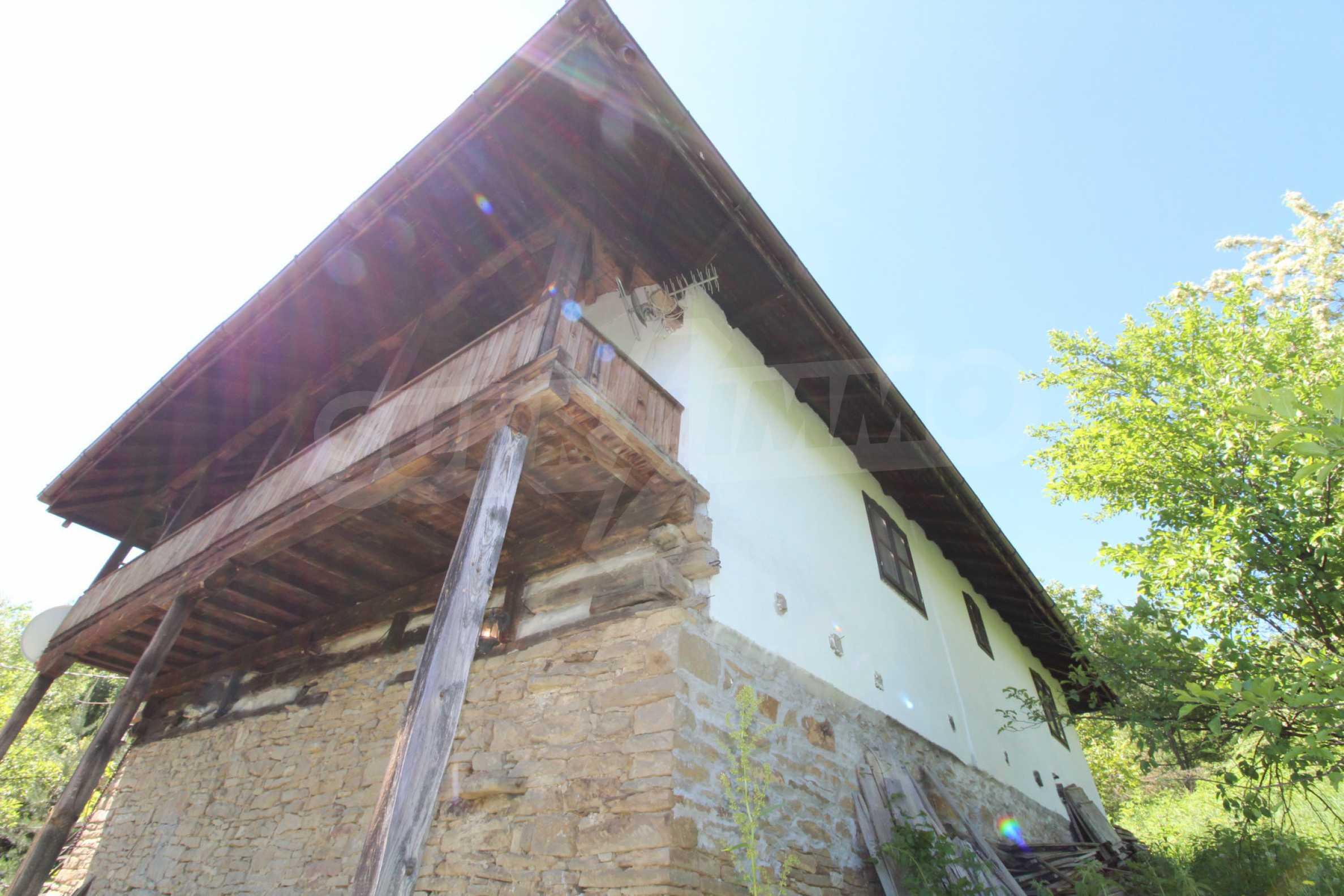 Реновиран и обзаведен имот с басейн на 7 км от Габрово 55