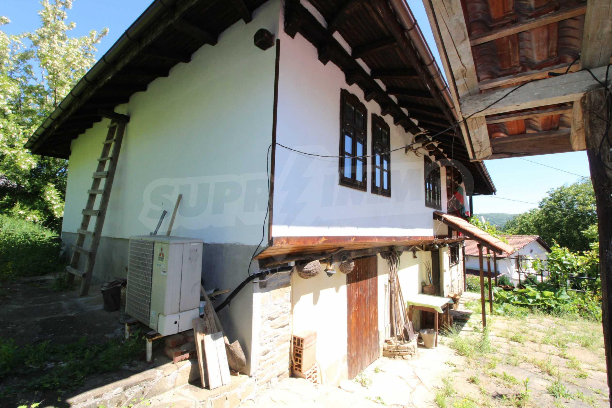 Реновиран и обзаведен имот с басейн на 7 км от Габрово 56
