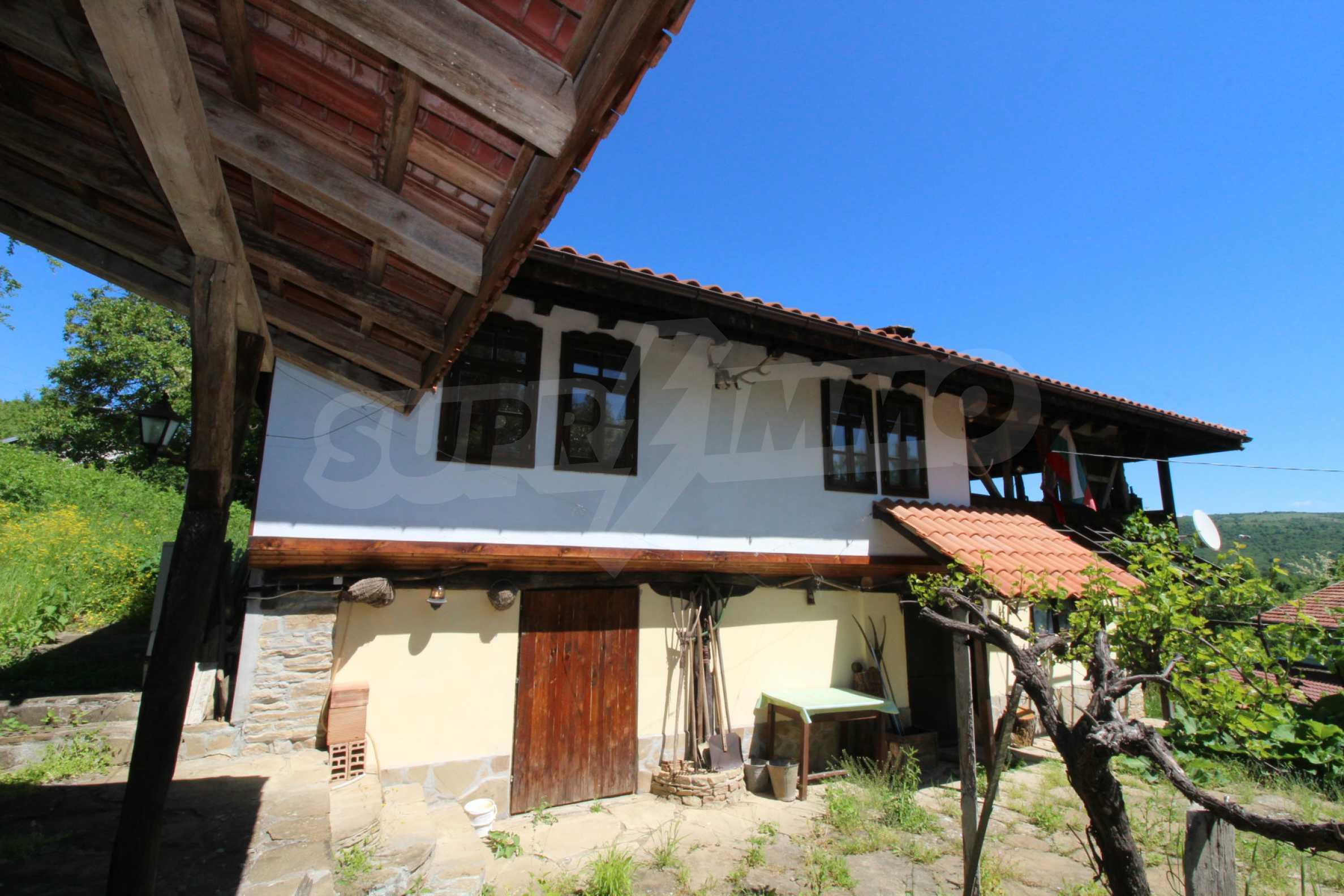 Реновиран и обзаведен имот с басейн на 7 км от Габрово 57