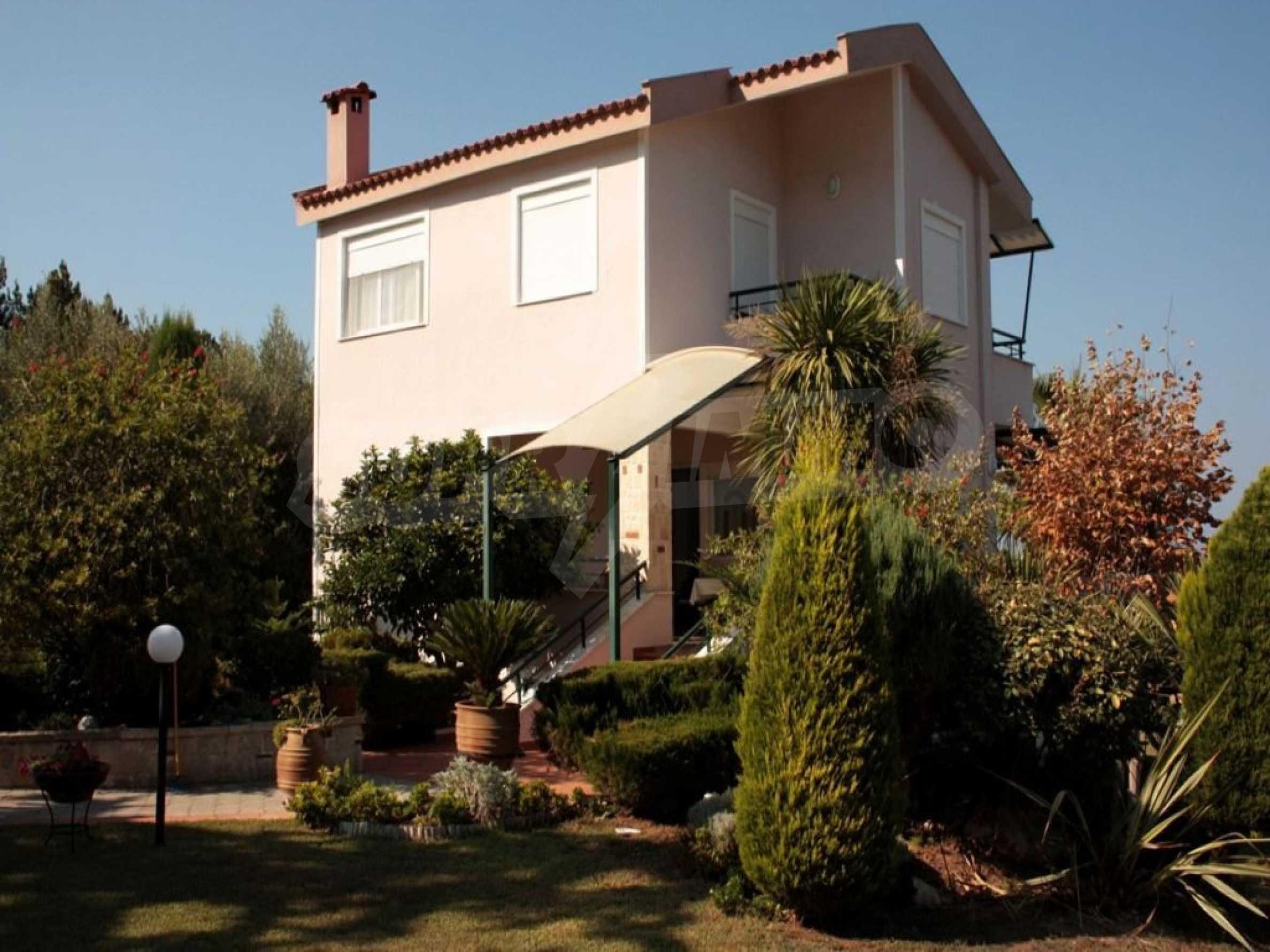 Къща  в  Полихроно 1