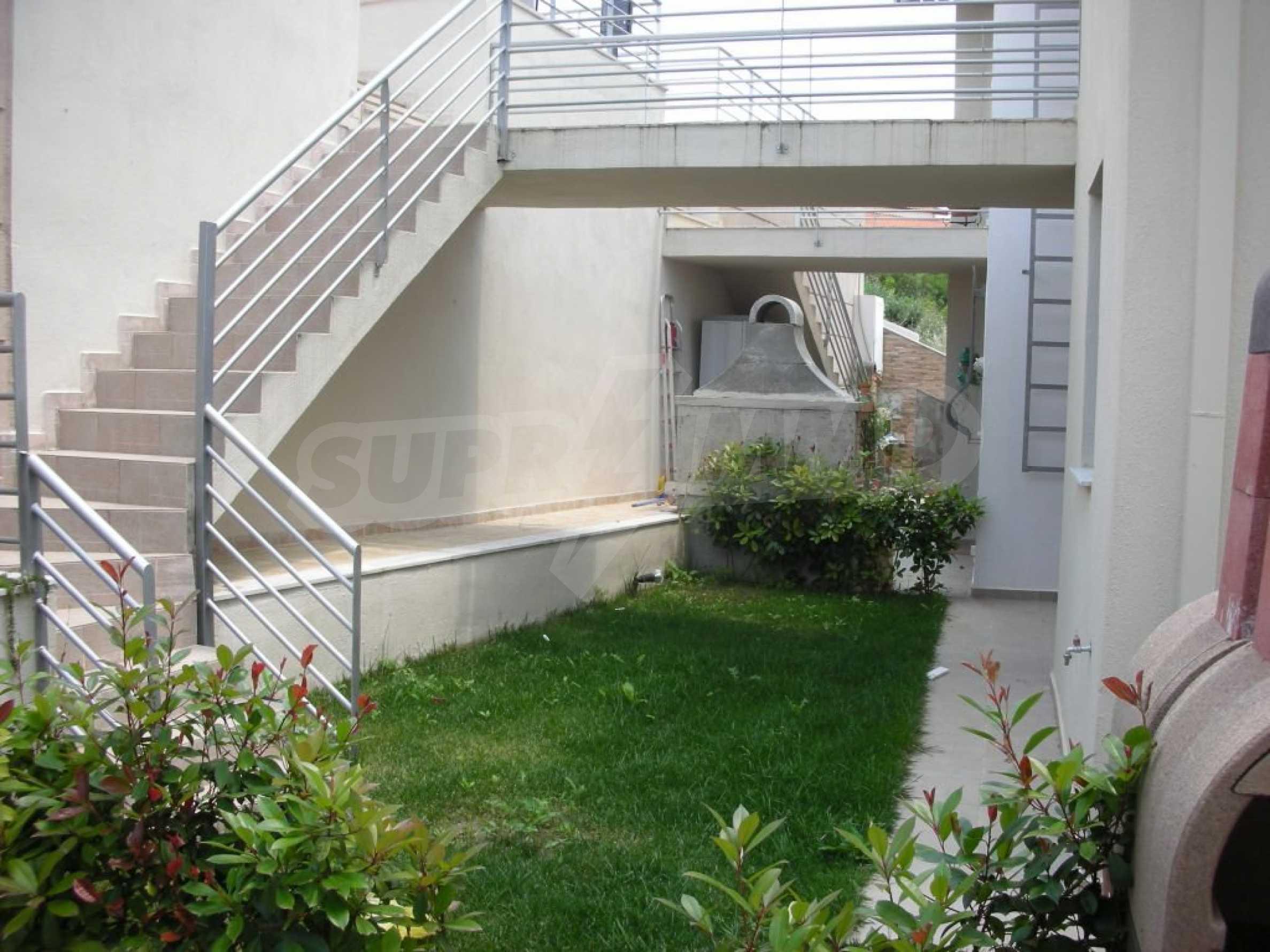 Къща  в  Кариани 6