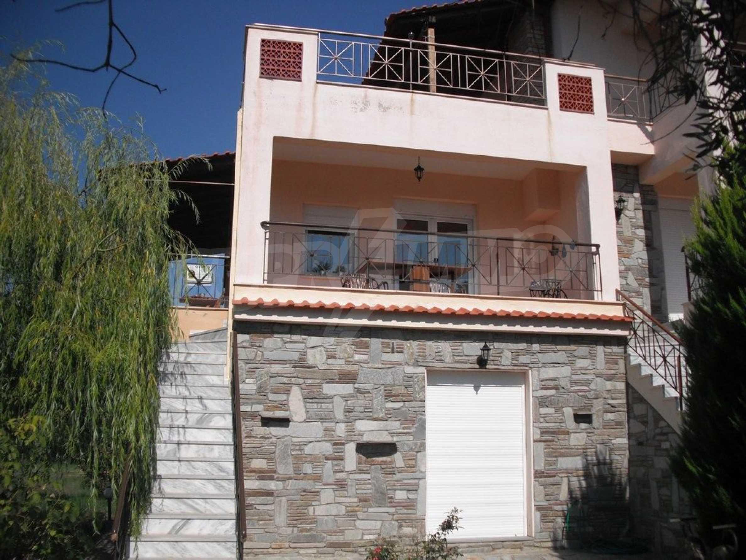 Къща  в  Потидея 9