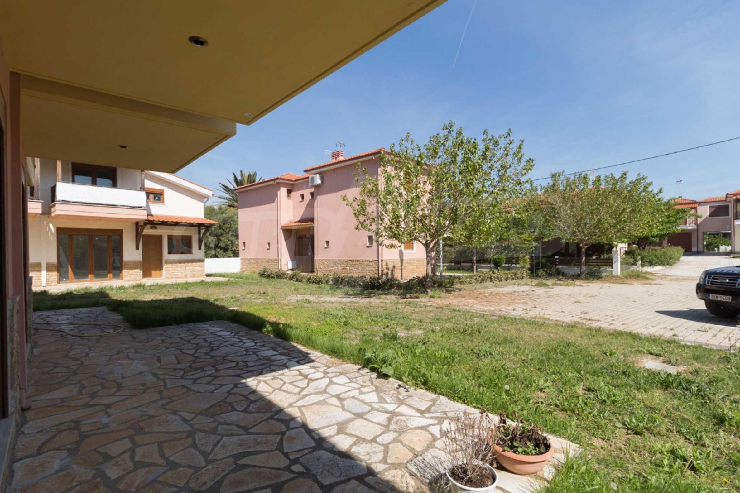 Къща  в  Неос Мармарас