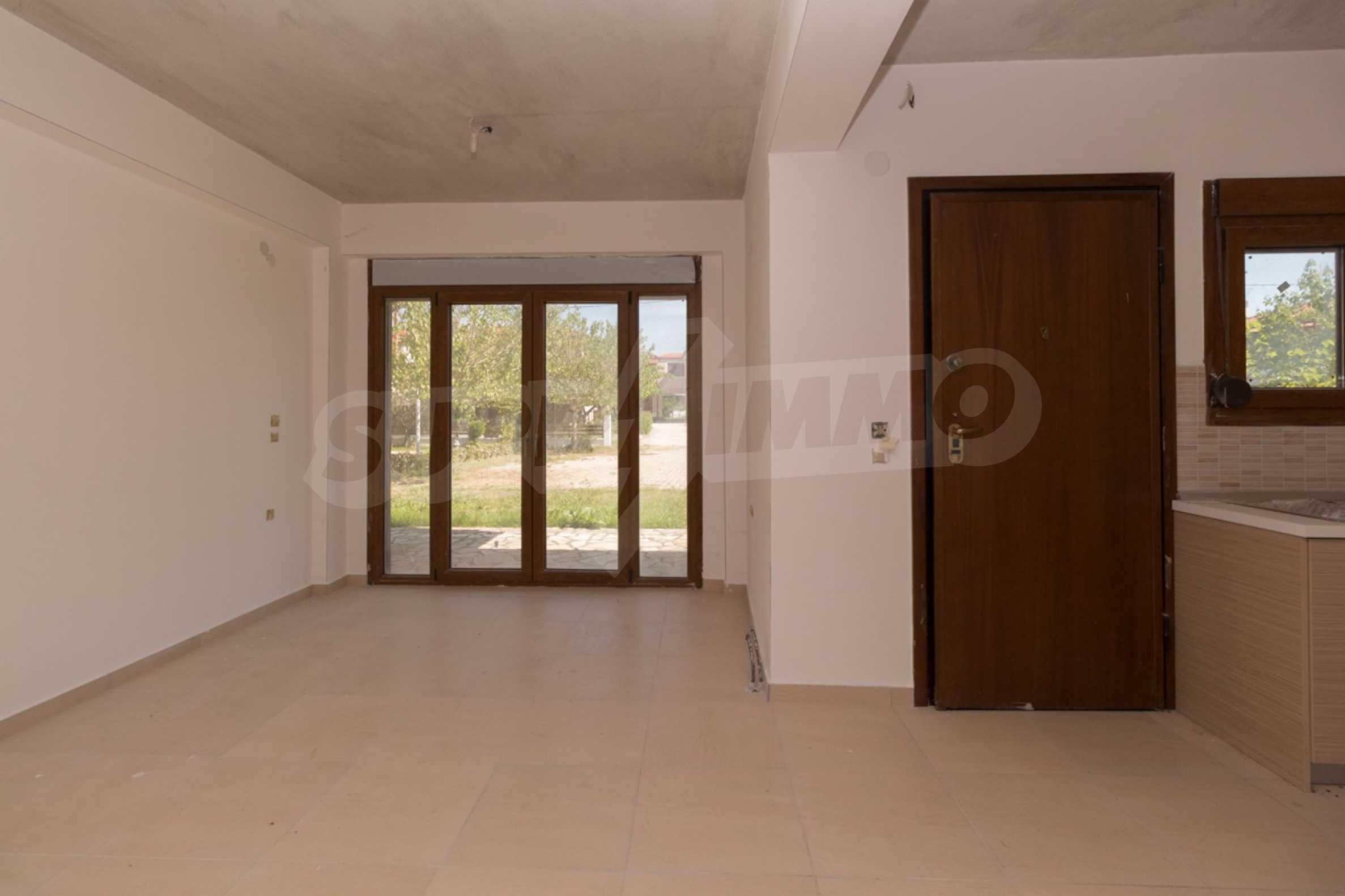 Къща  в  Неос Мармарас 9