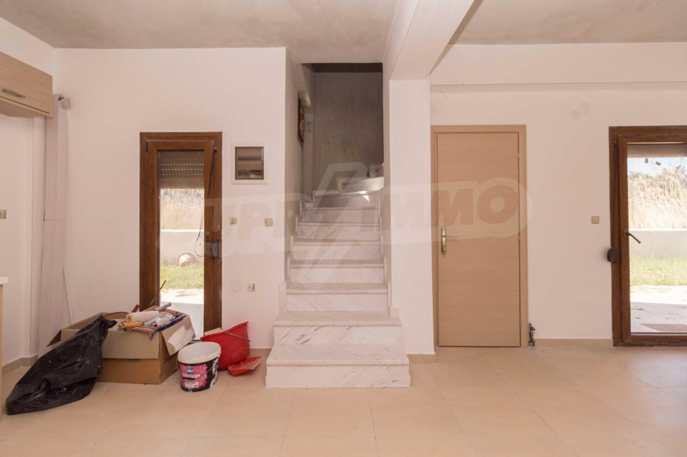Къща  в  Неос Мармарас 13