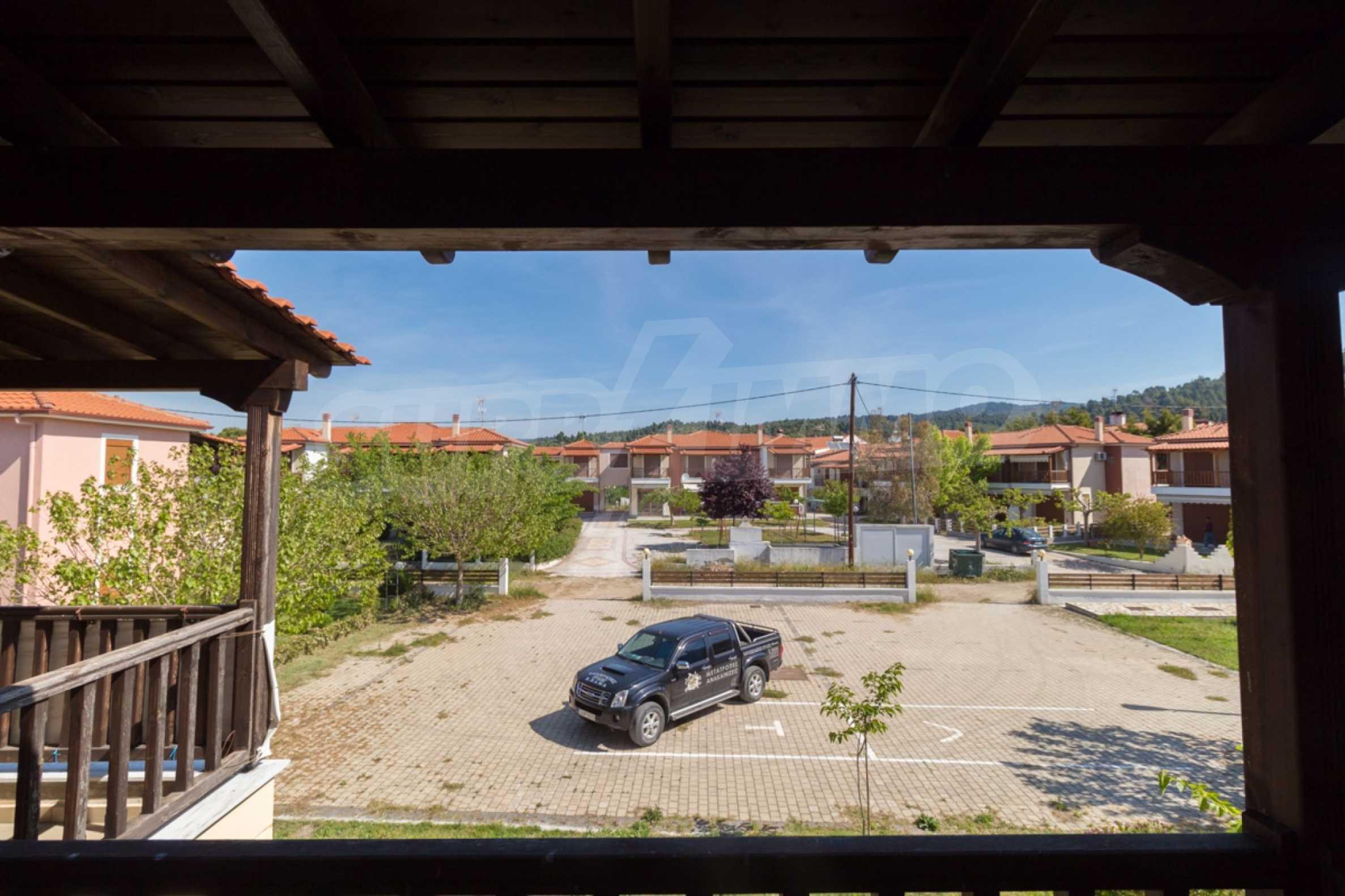 Къща  в  Неос Мармарас 7