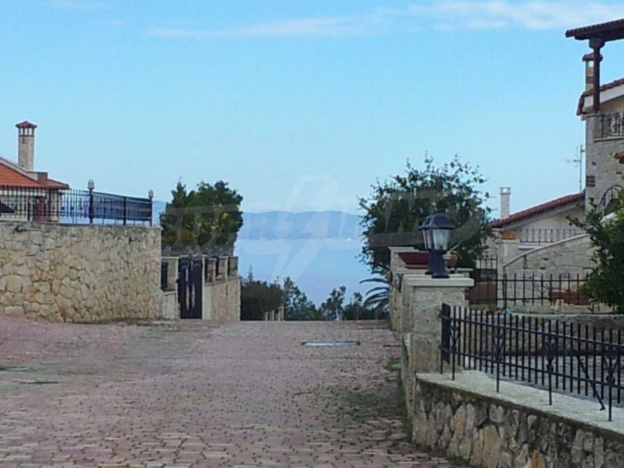Къща  в  Афитос 9