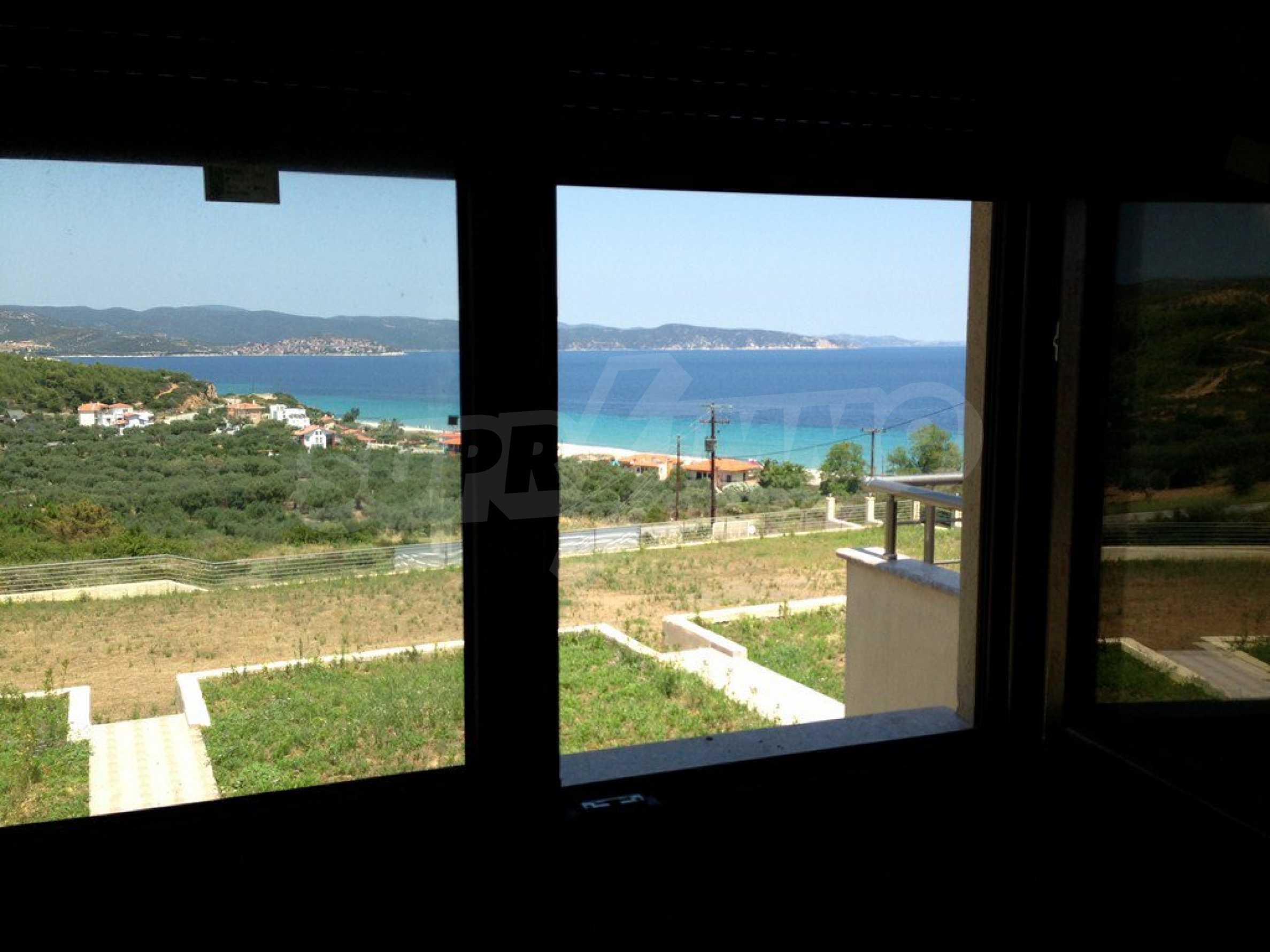 Апартамент  в  Акти Салоникю 11