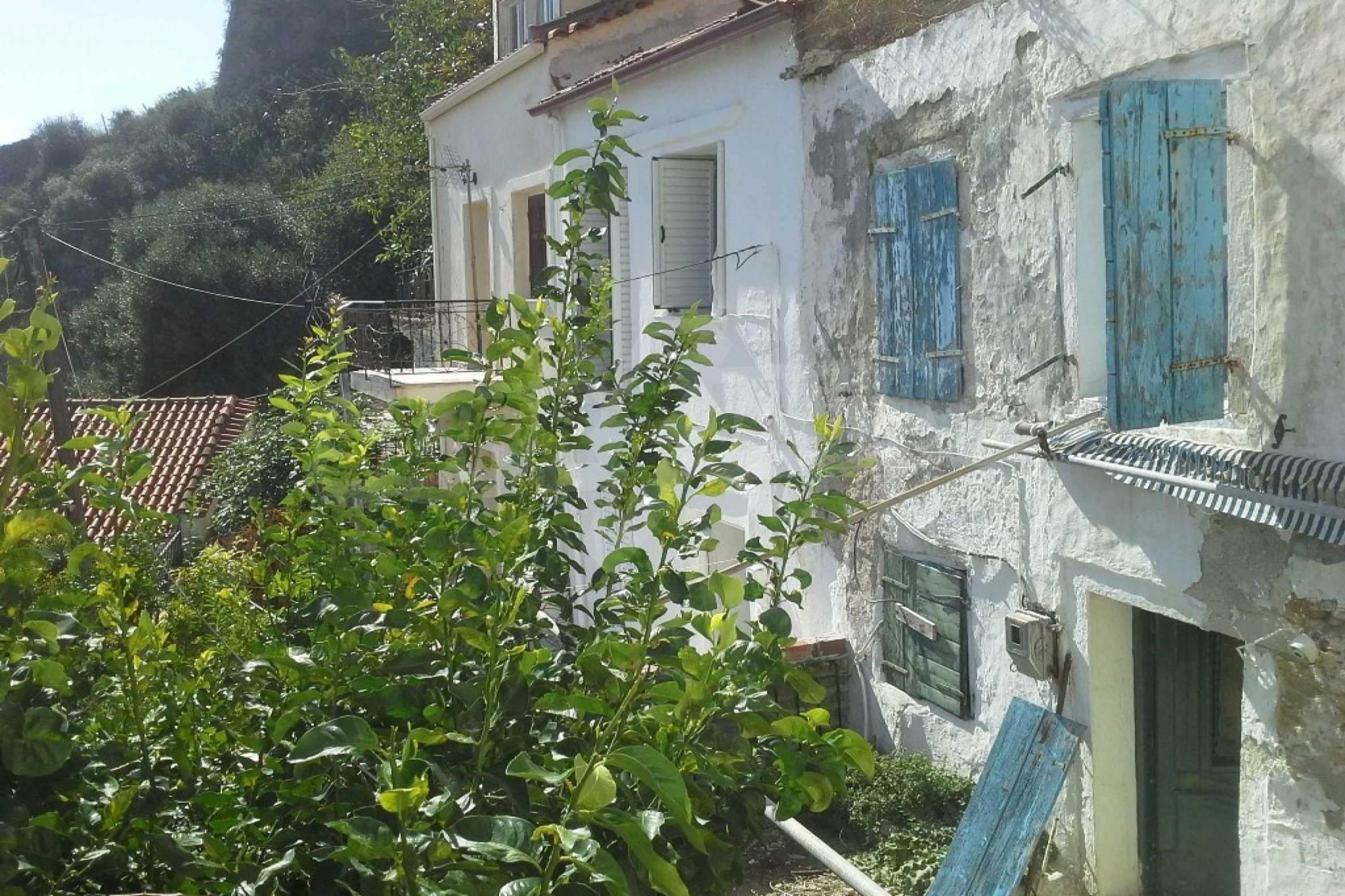 Автентична къща с морска гледка в град Парга 8