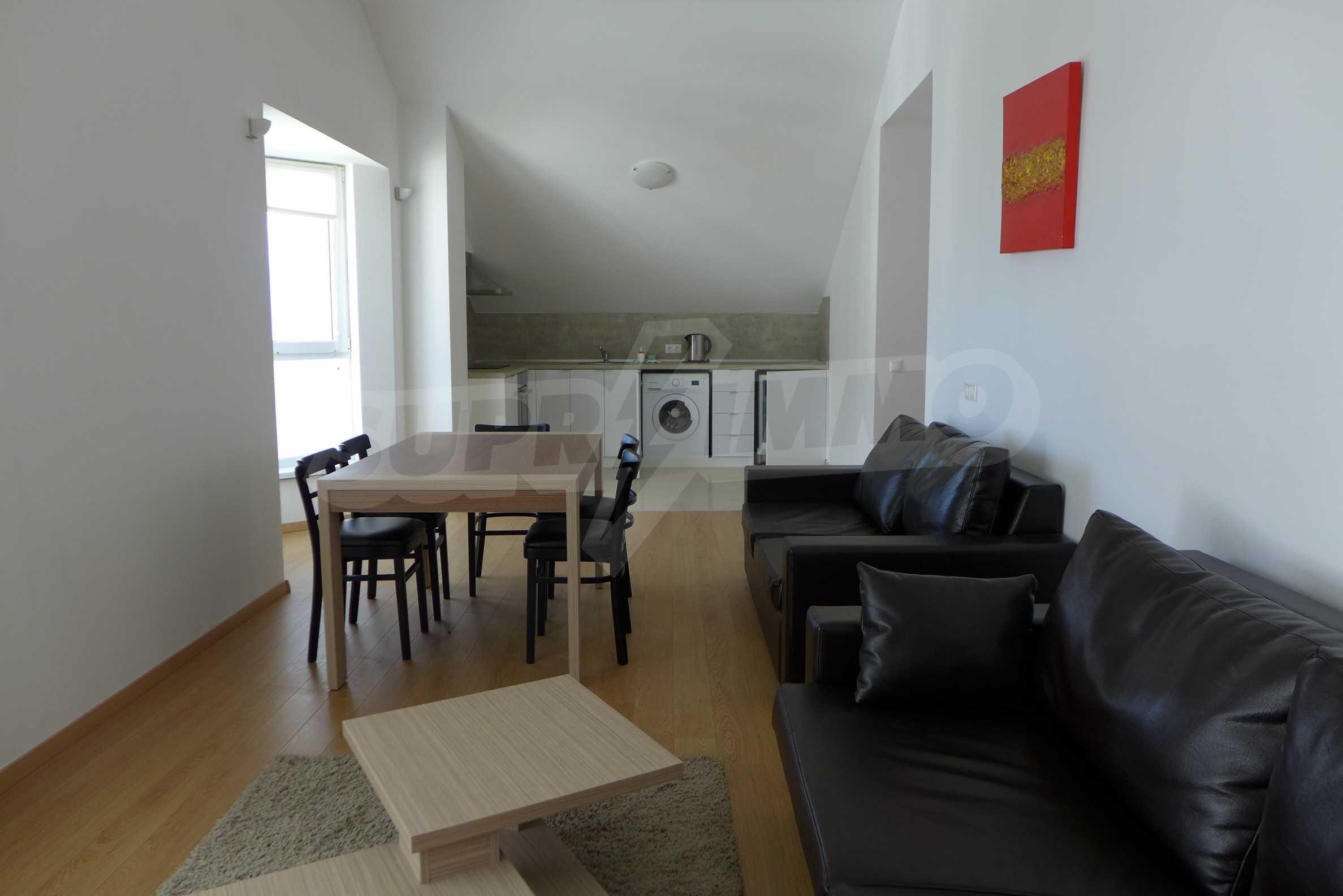 Четиристаен апартамент в Saint George Lodge