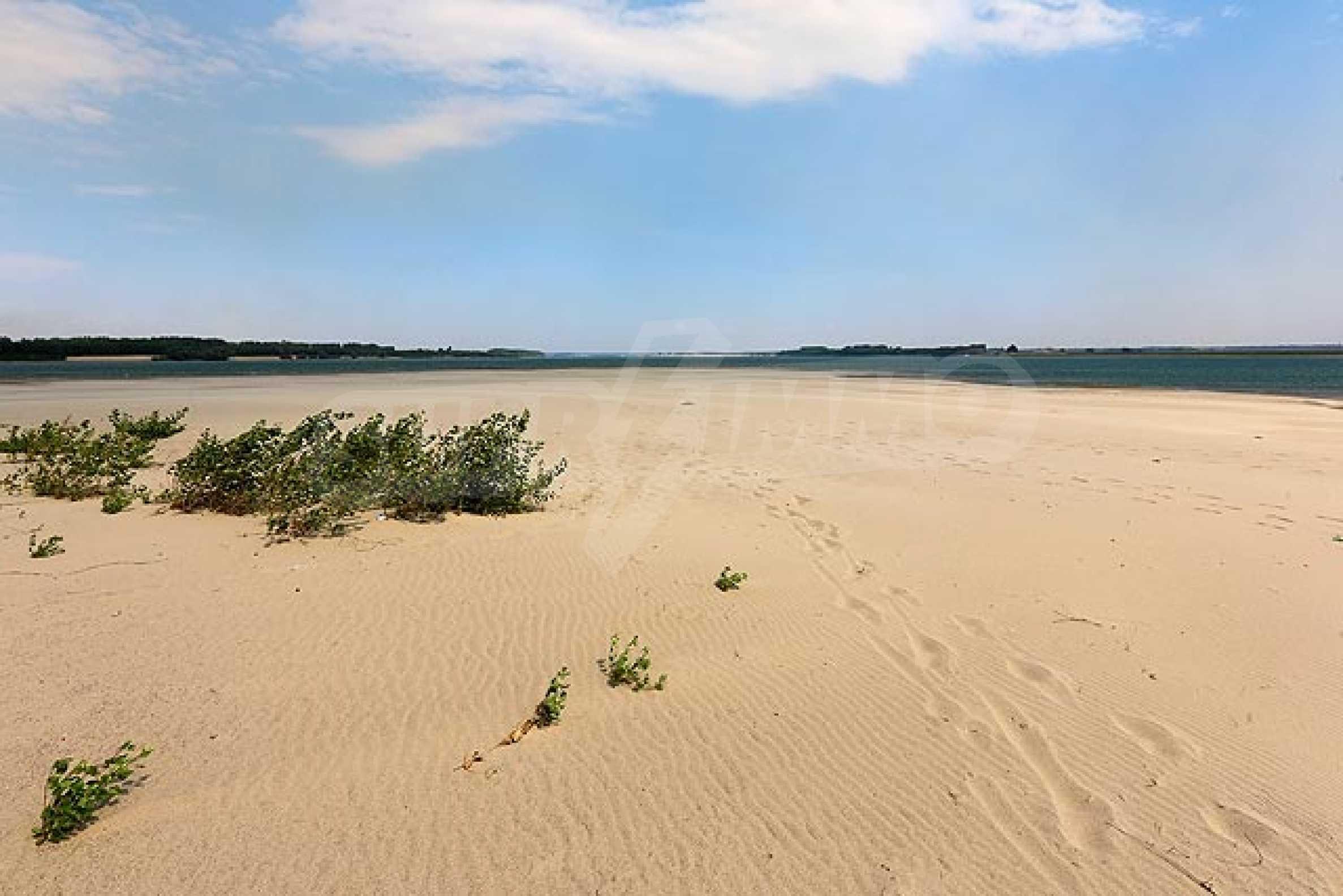 Данубиа Бийч / Danubia Beach  37