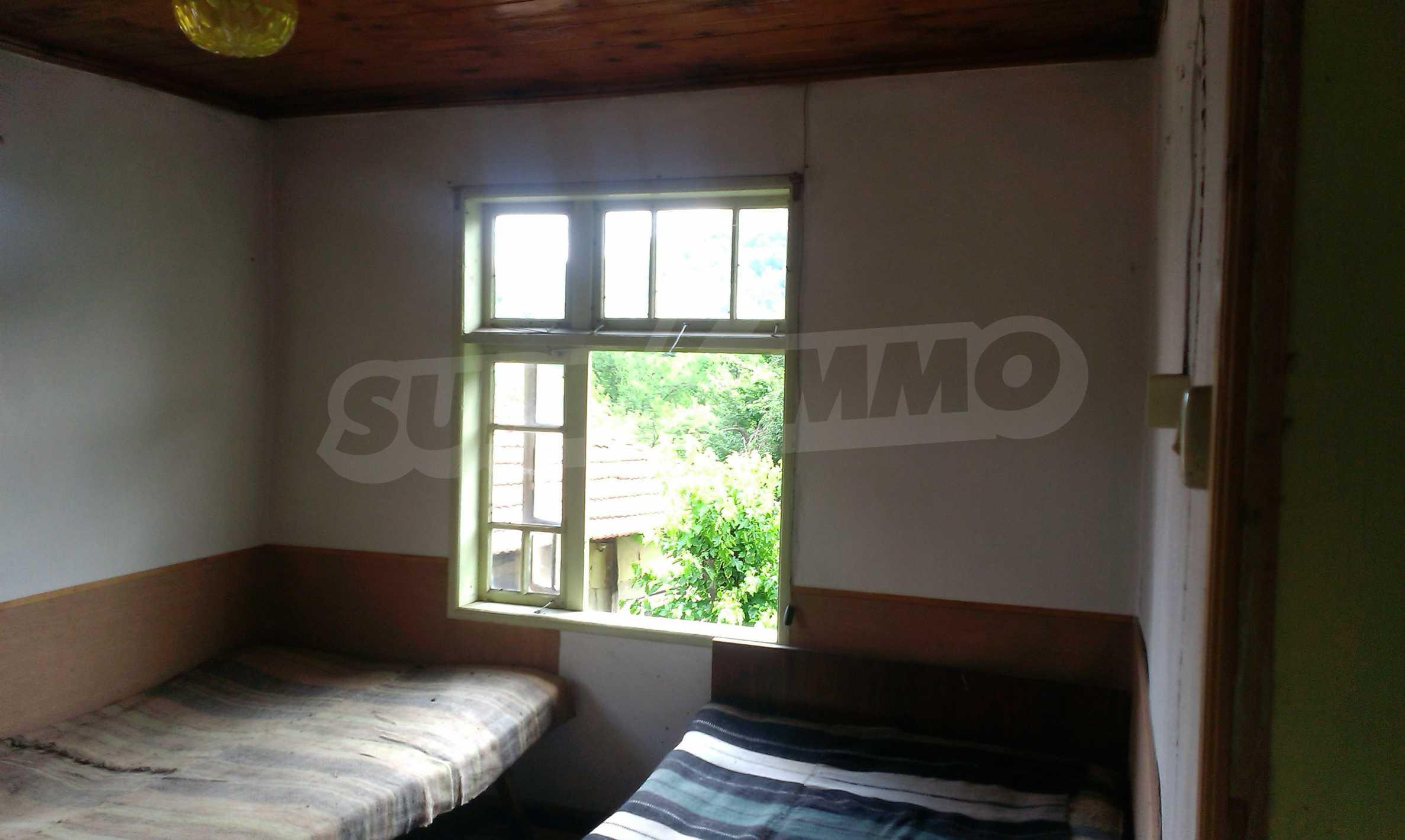 Тухлена двуетажна къща само на 22 км от Велико Търново  14