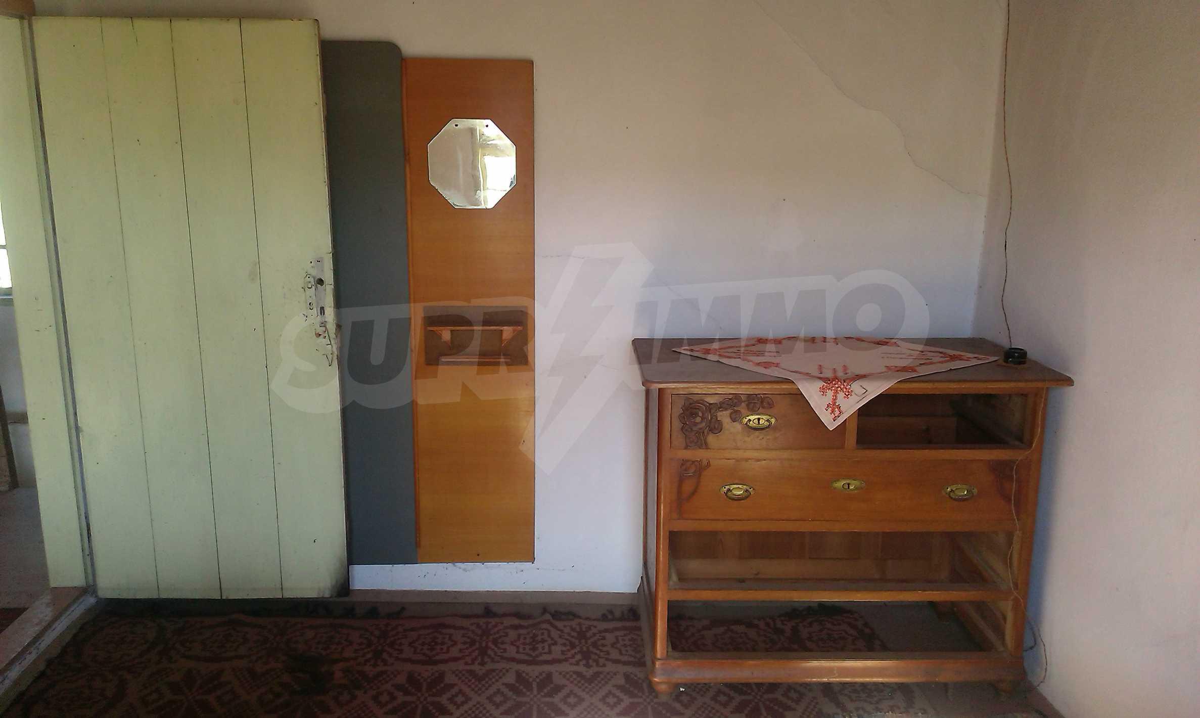 Тухлена двуетажна къща само на 22 км от Велико Търново  58