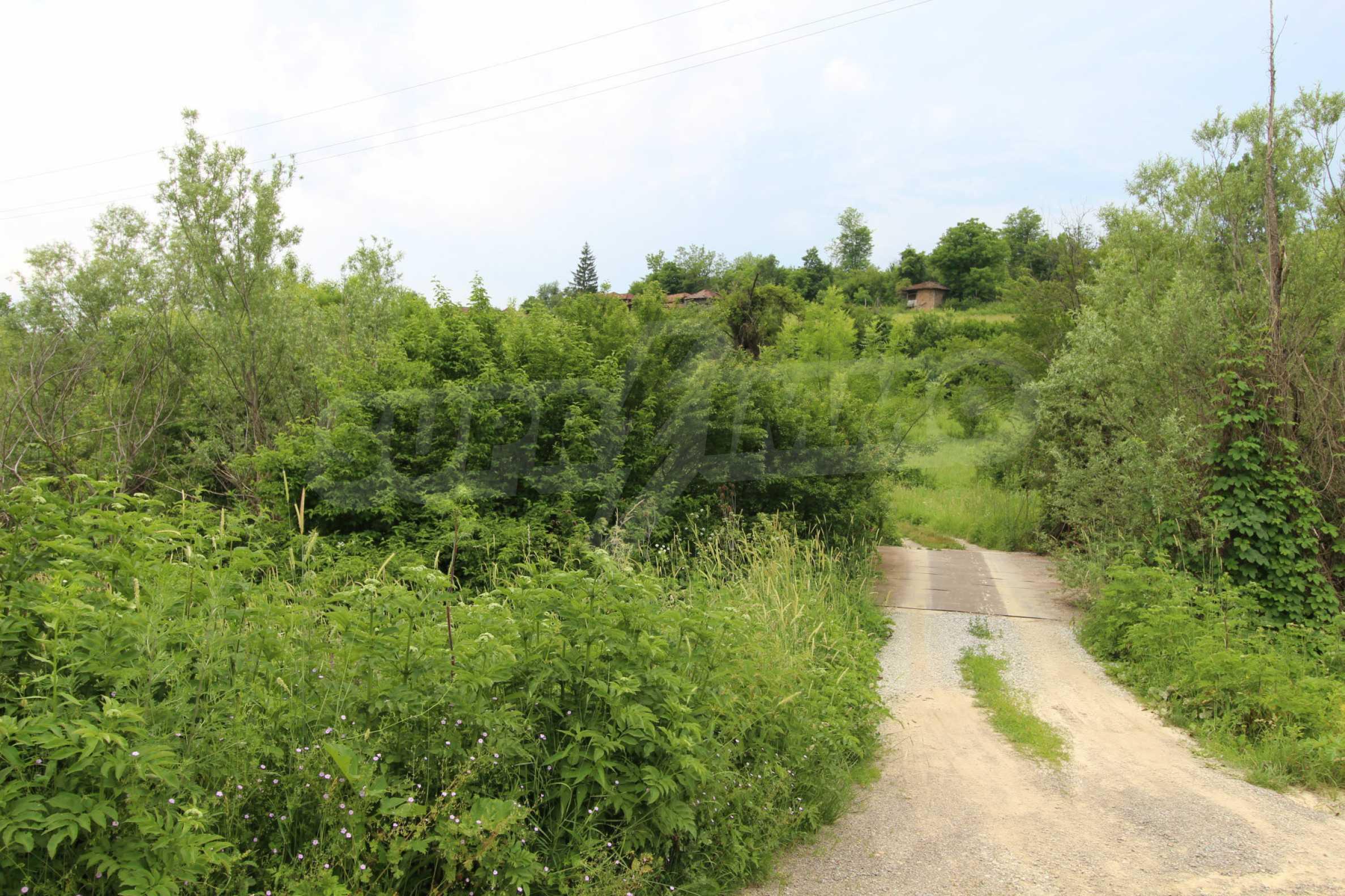 Уникално вилно селище с кръгли къщи на 50 км от Велико Търново  63