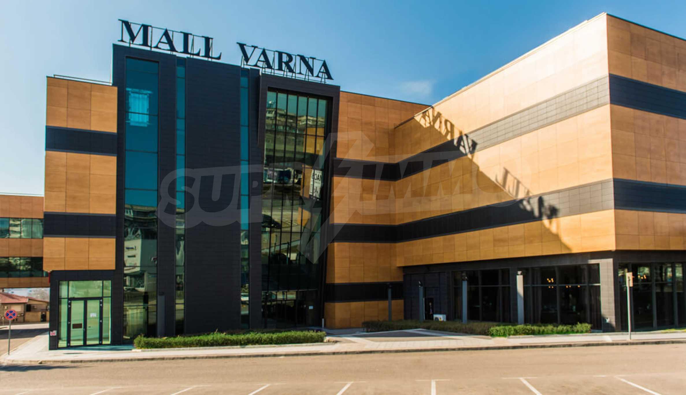 Търговски помещения и офиси под наем в голям търговски център 4