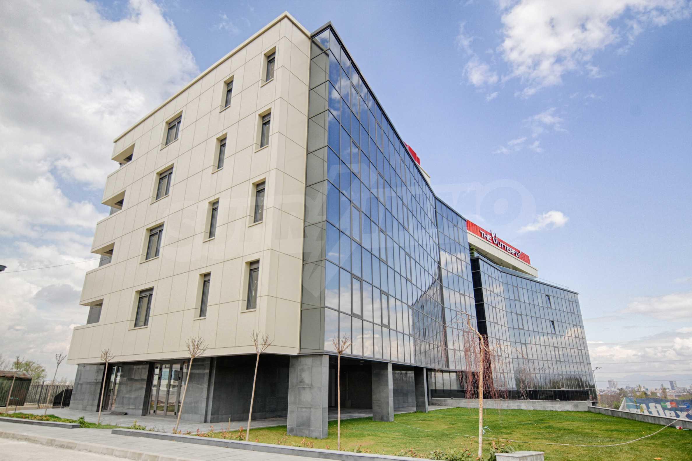 Многостаен апартамент в нова сграда на Околовръстен път
