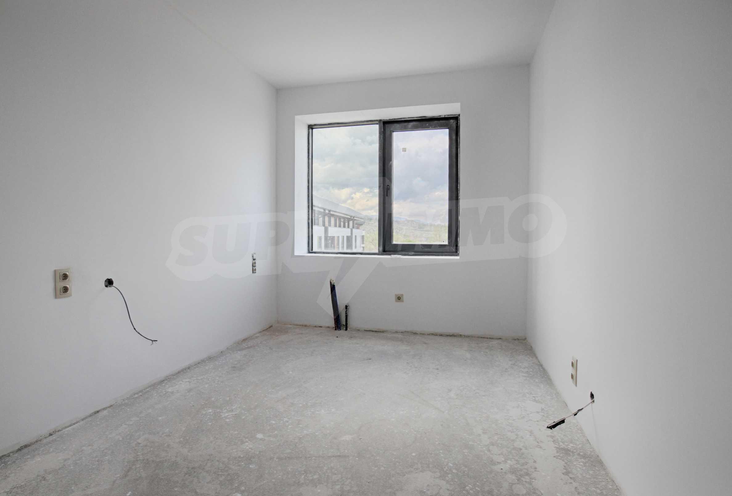 Многостаен апартамент в нова сграда на Околовръстен път 8