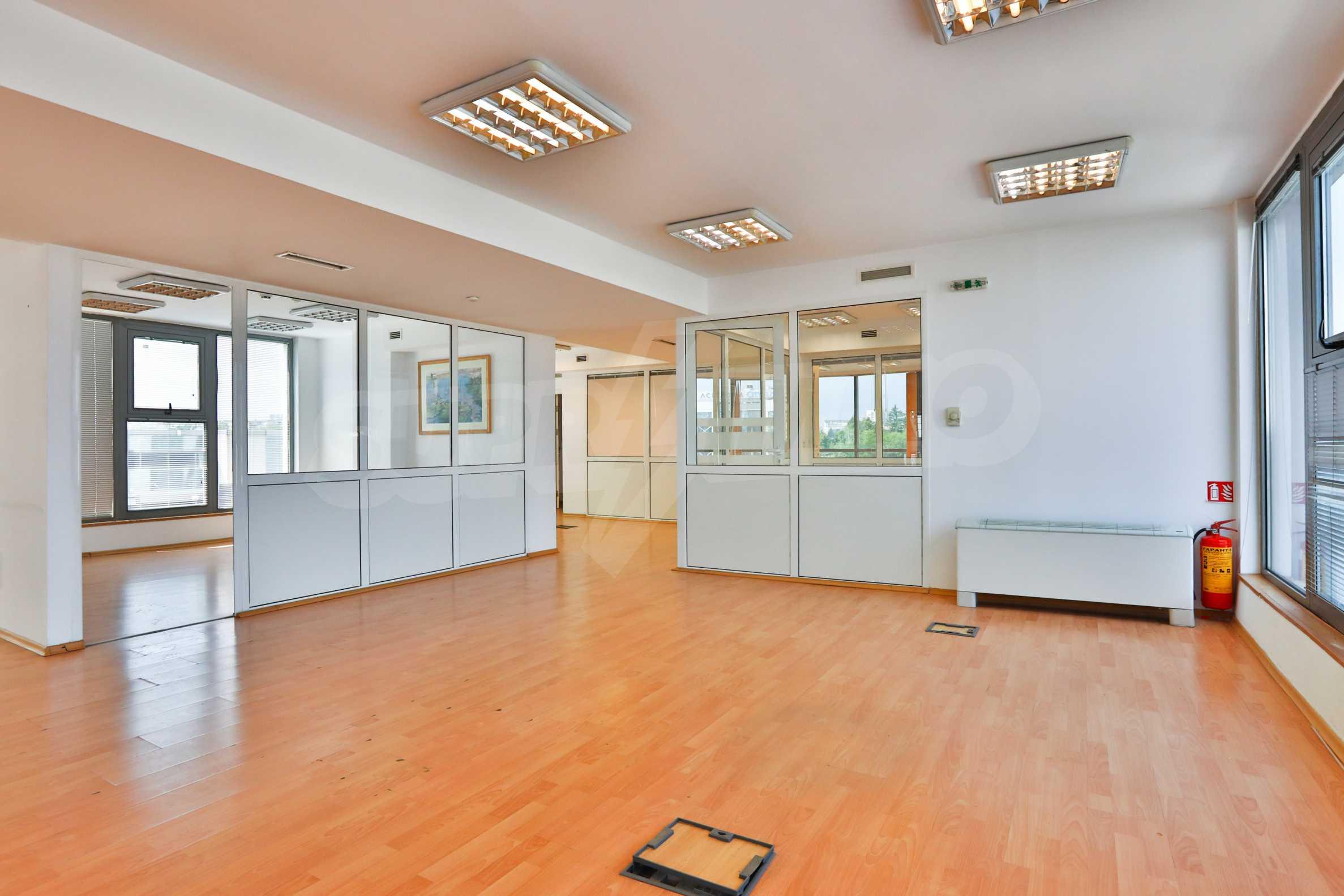 Площи тип open space в офис зоната на бул. Цариградско шосе 8