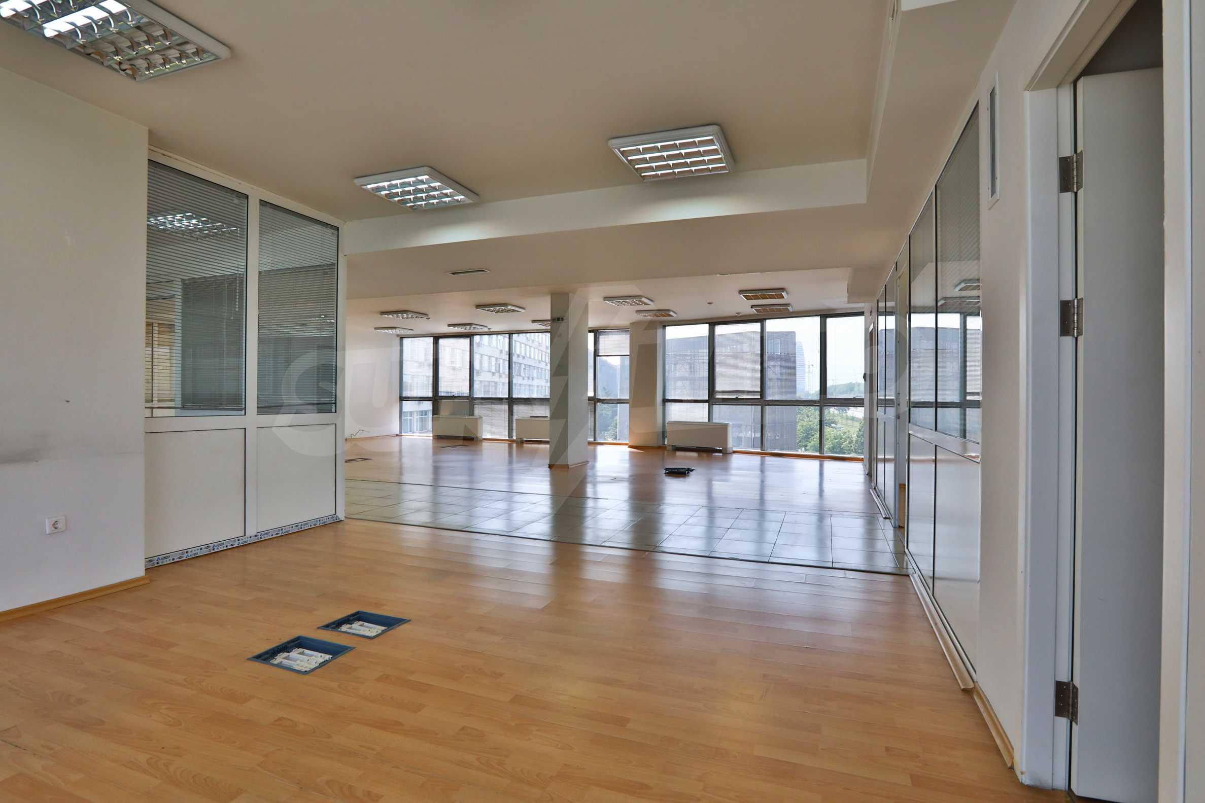 Площи тип open space в офис зоната на бул. Цариградско шосе 24