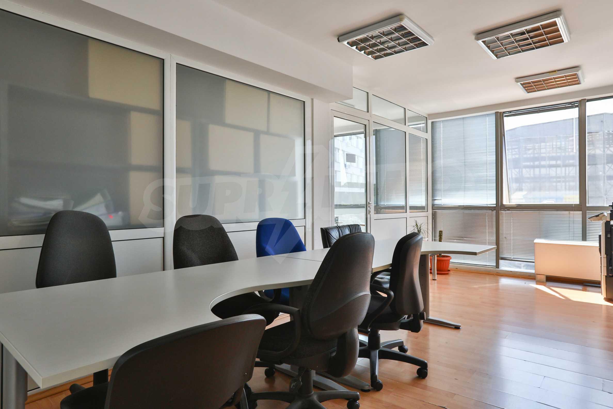 Площи тип open space в офис зоната на бул. Цариградско шосе 32