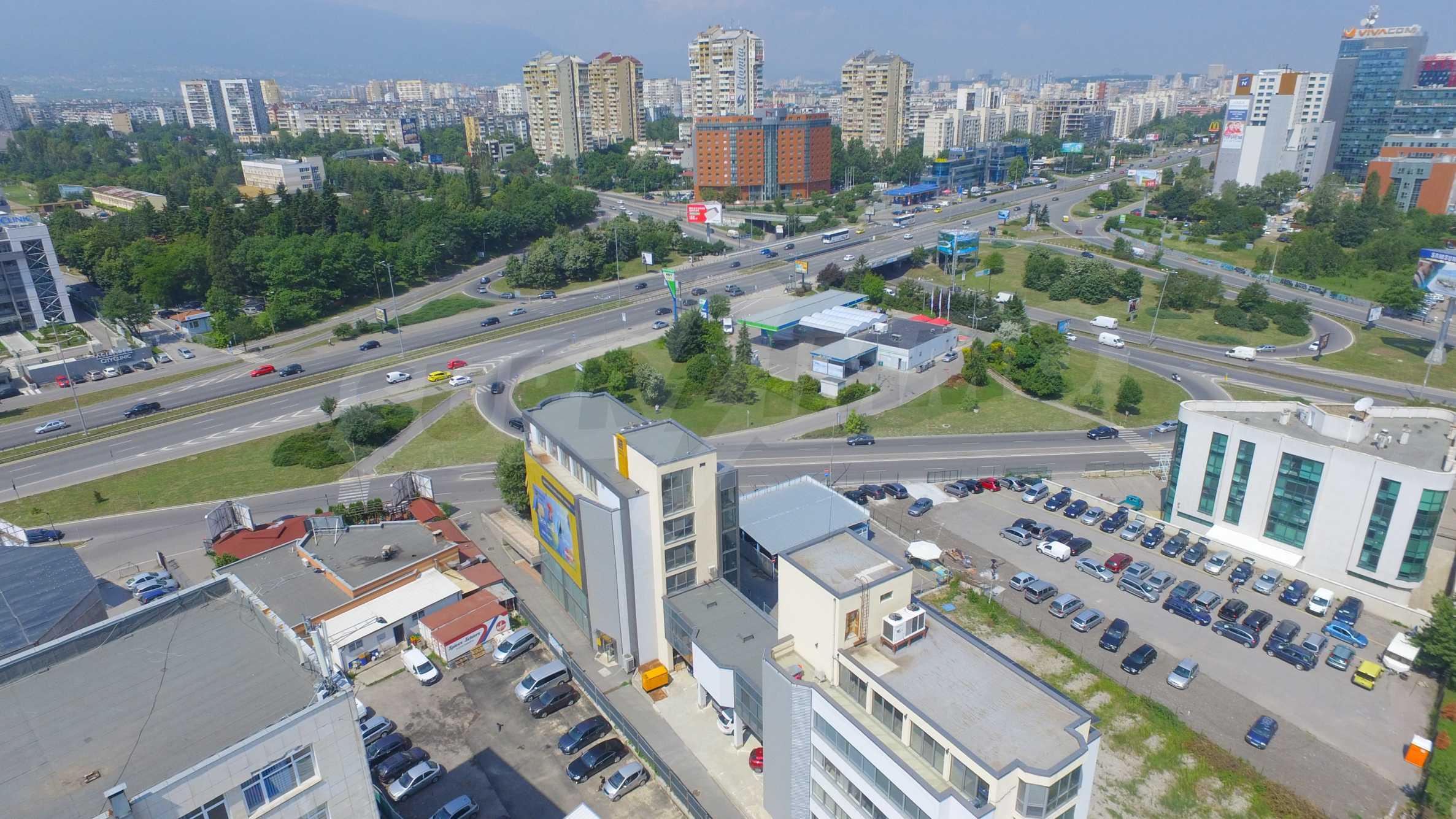 Площи тип open space в офис зоната на бул. Цариградско шосе 44