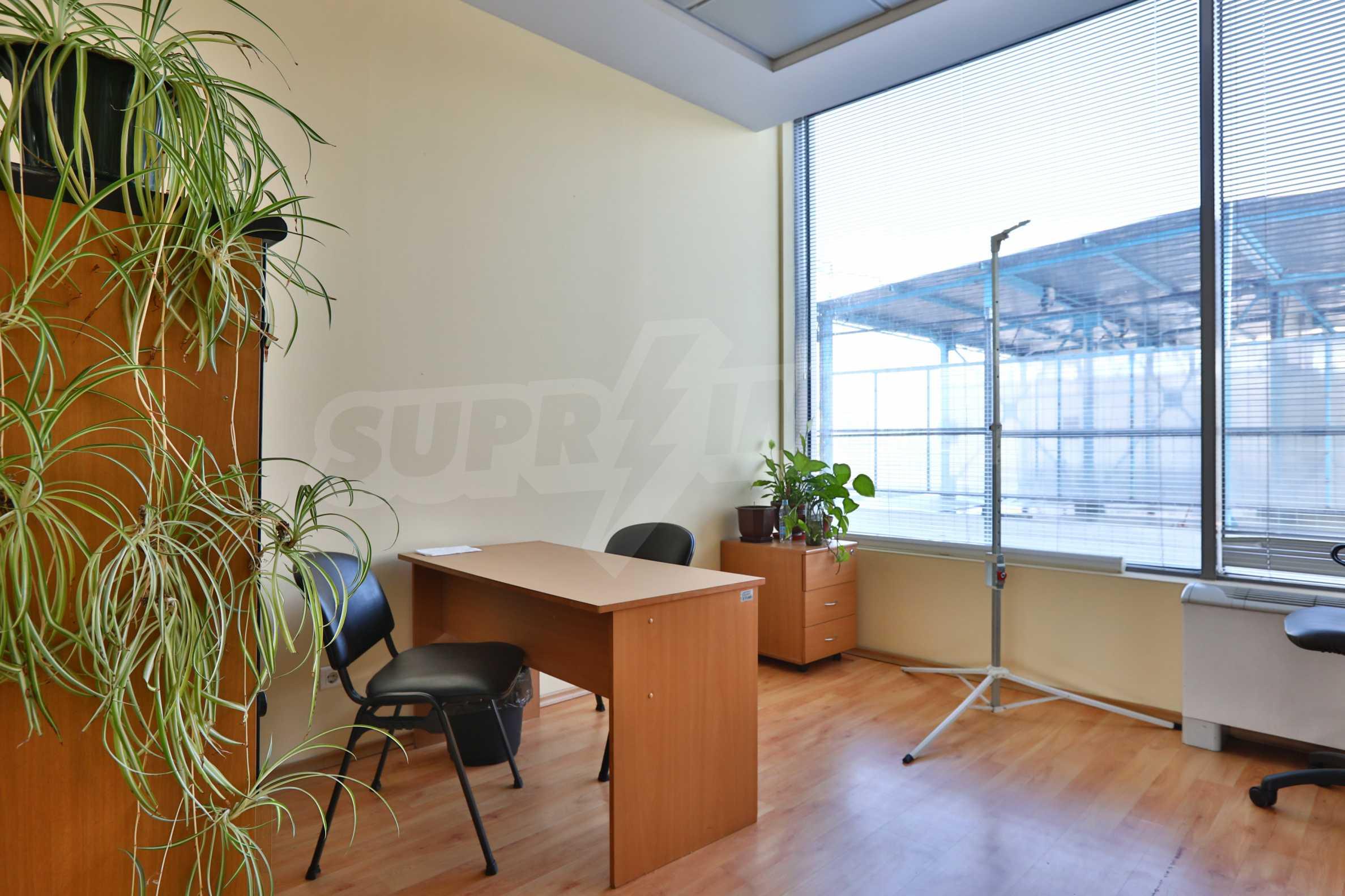 Площи тип open space в офис зоната на бул. Цариградско шосе 5