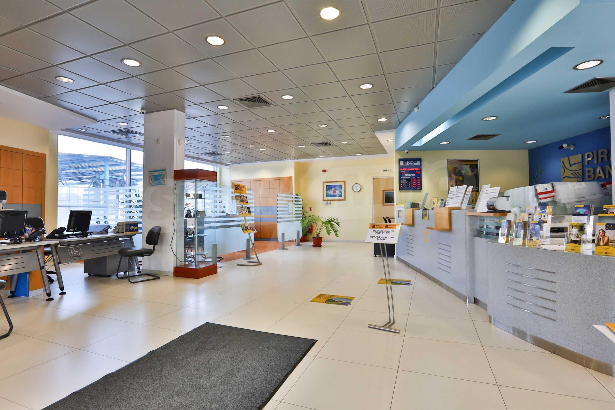 Голям офис в луксозна сграда на бул. Цариградско шосе 1