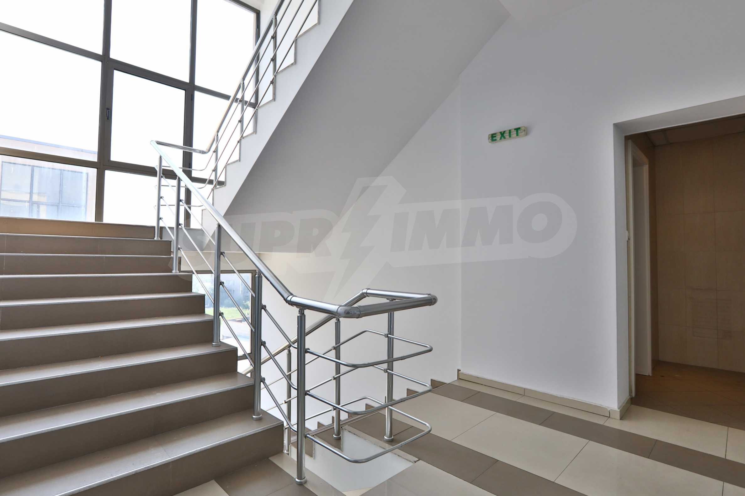 Голям офис в луксозна сграда на бул. Цариградско шосе 16