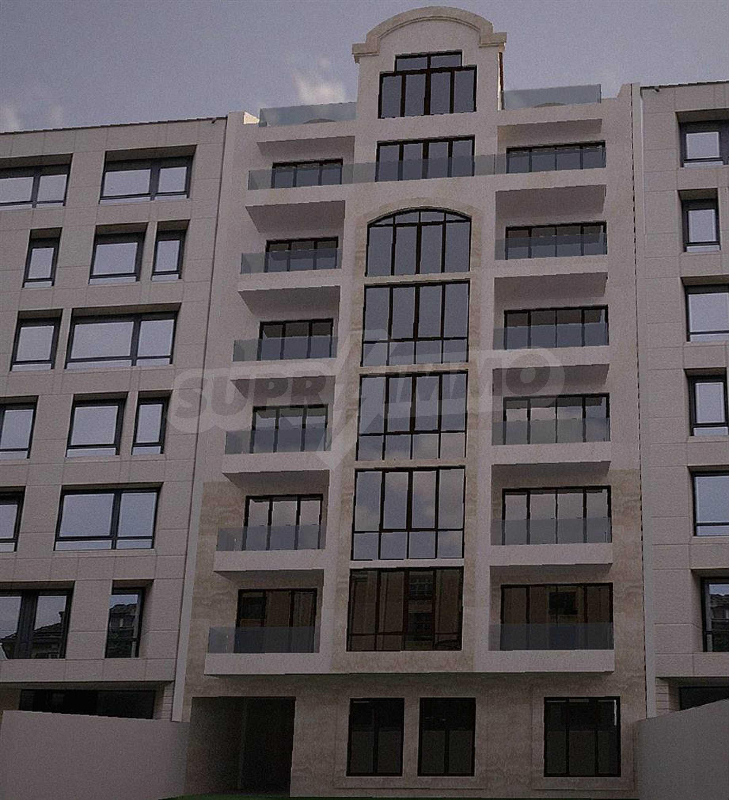 Апартаменти в идеален център на гр. Варна 1