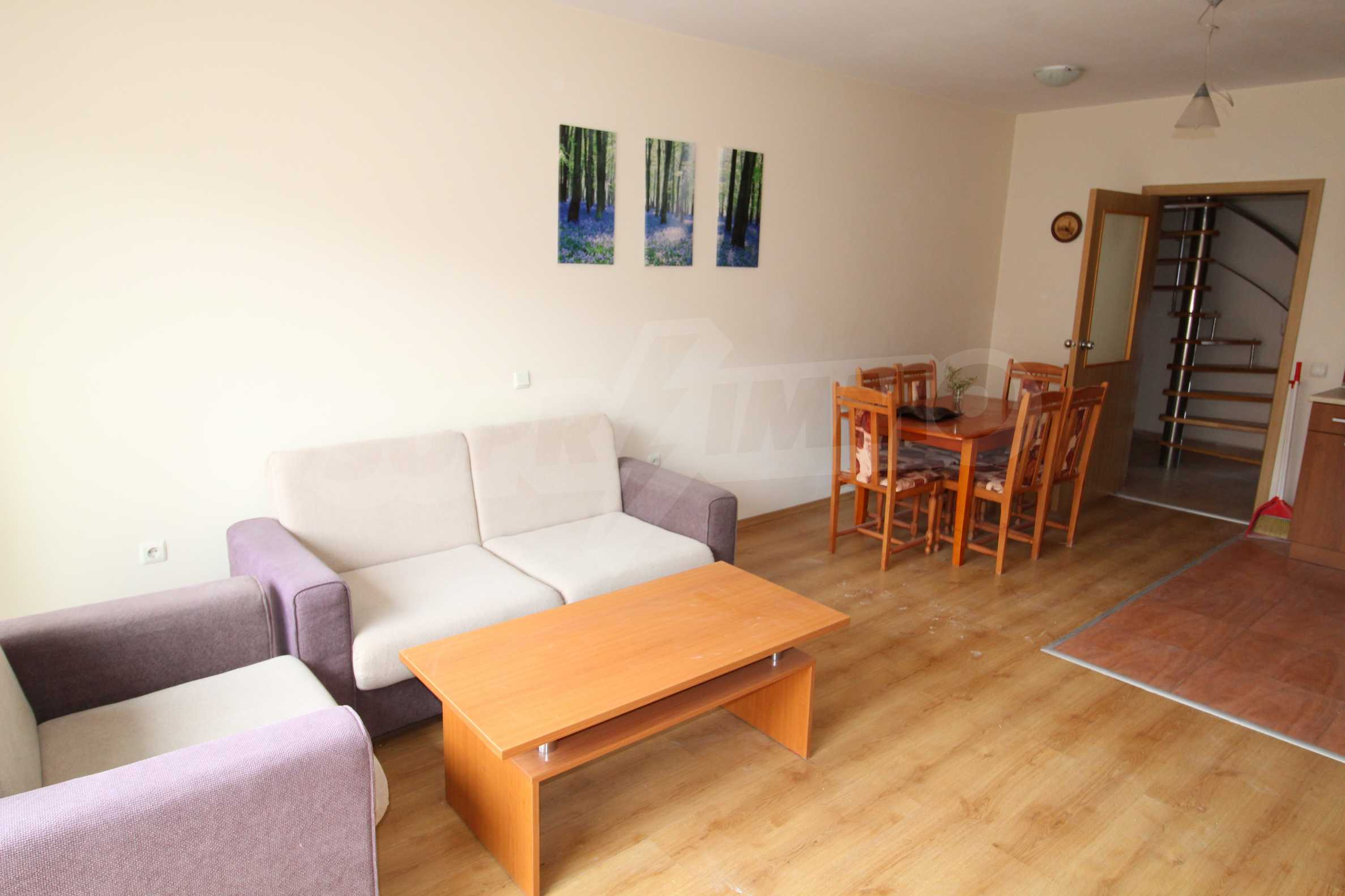 Тристаен апартамент в планински курорт Банско