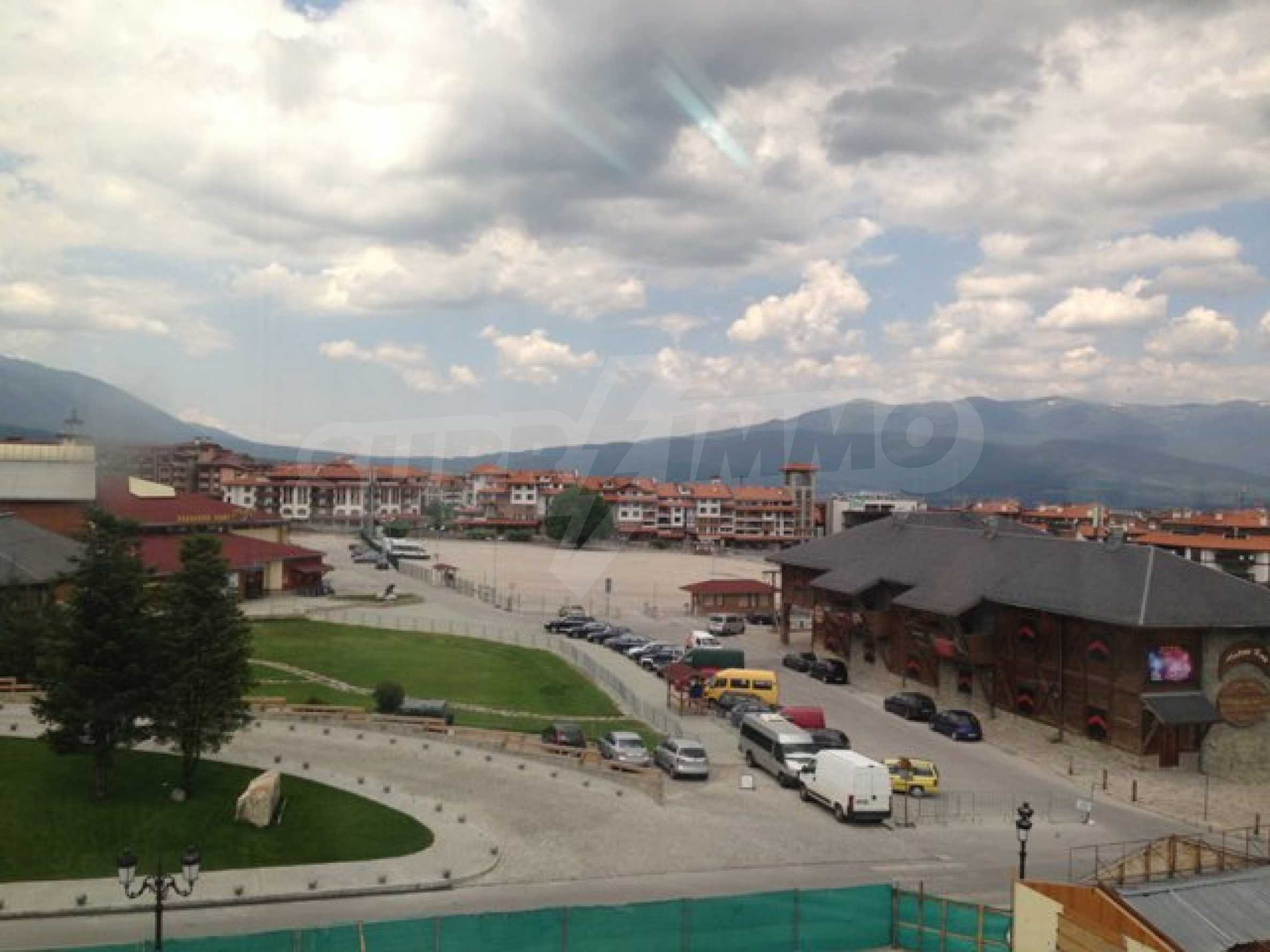 Тристаен апартамент в планински курорт Банско 8