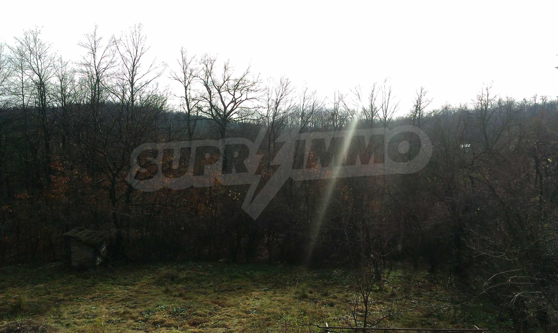 Двуетажна тухлена къща на 40 км от Велико Търново  9
