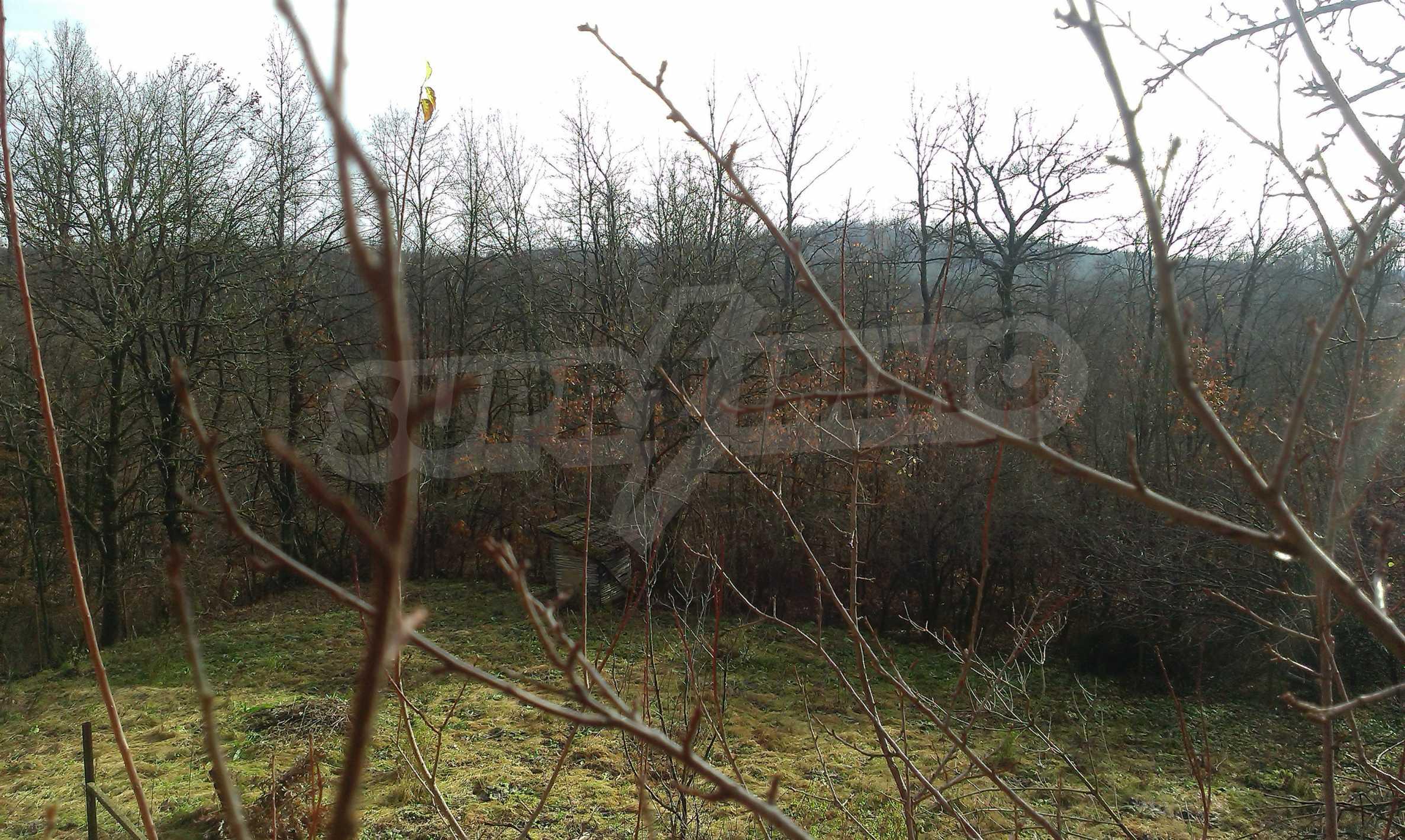 Двуетажна тухлена къща на 40 км от Велико Търново  6