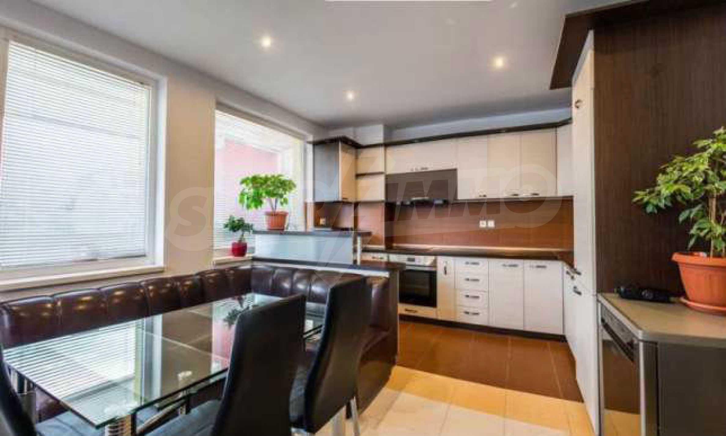 Новопостроен тристаен апартамент в кв. на град В. Търново  2