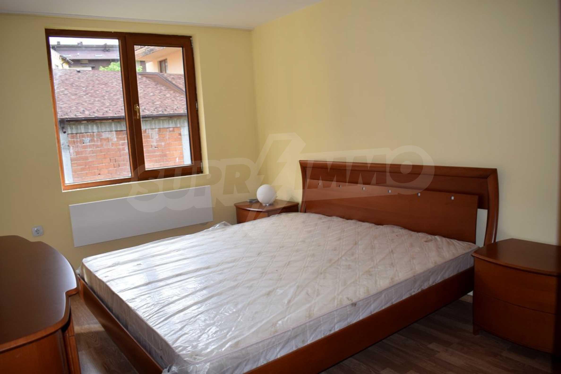 Двустаен, напъно обзаведен апартамент в Банско 7