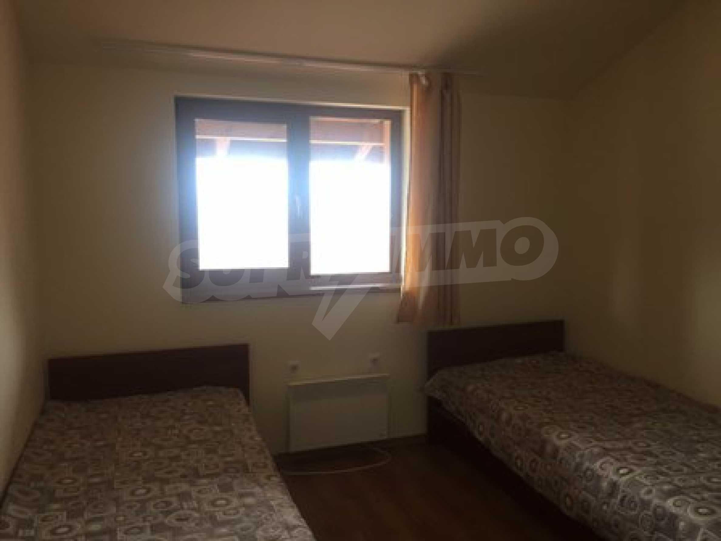 Тристаен апартамент с камина в Банско 8