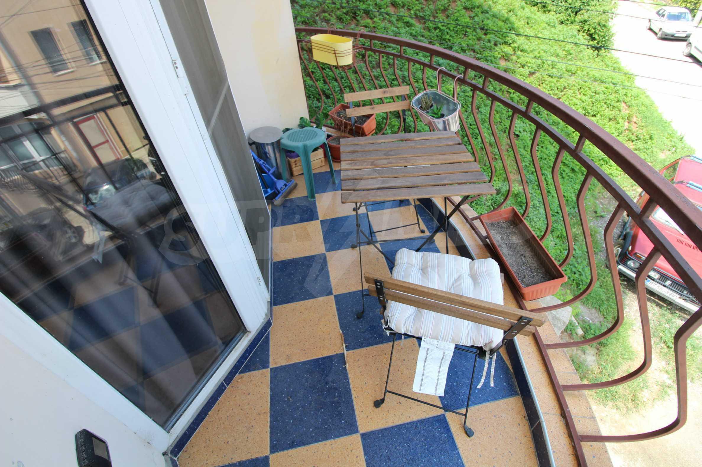 Напълно обзаведен имот с гараж в квартала на гр. В. Търново 19