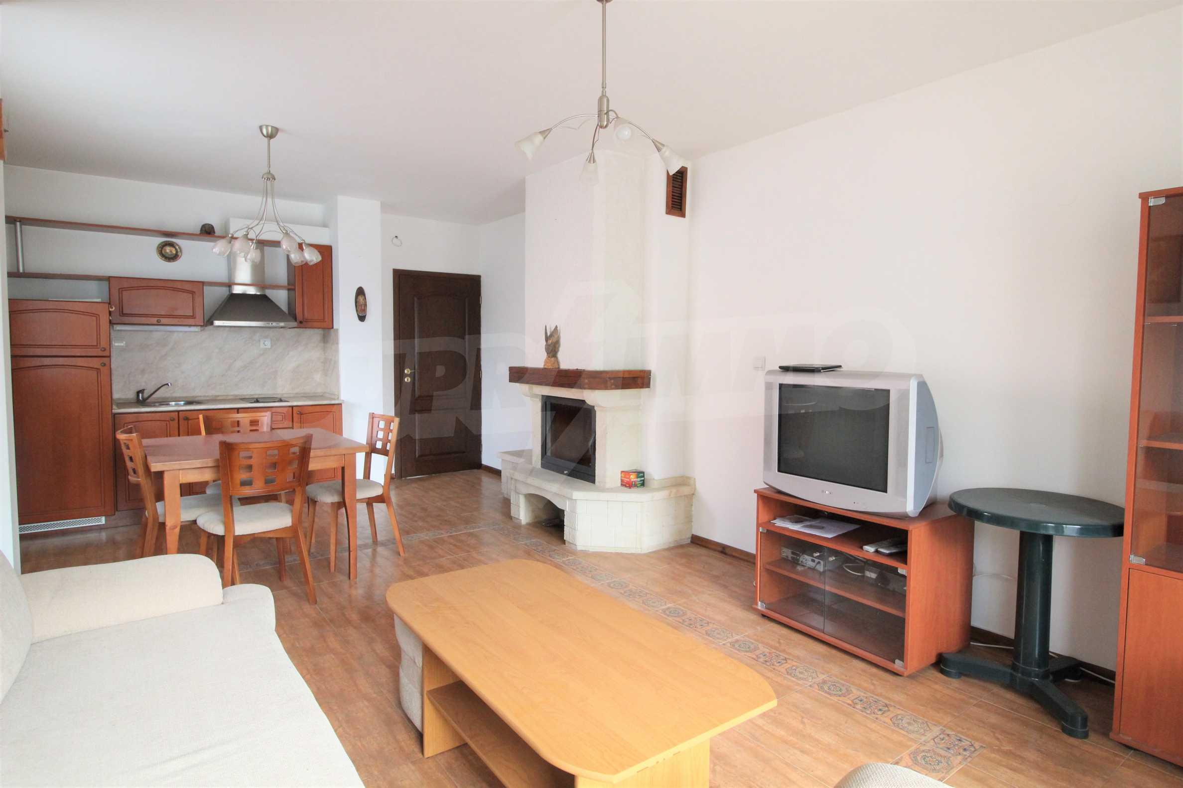 Просторен апартамент с камина в Банско 6