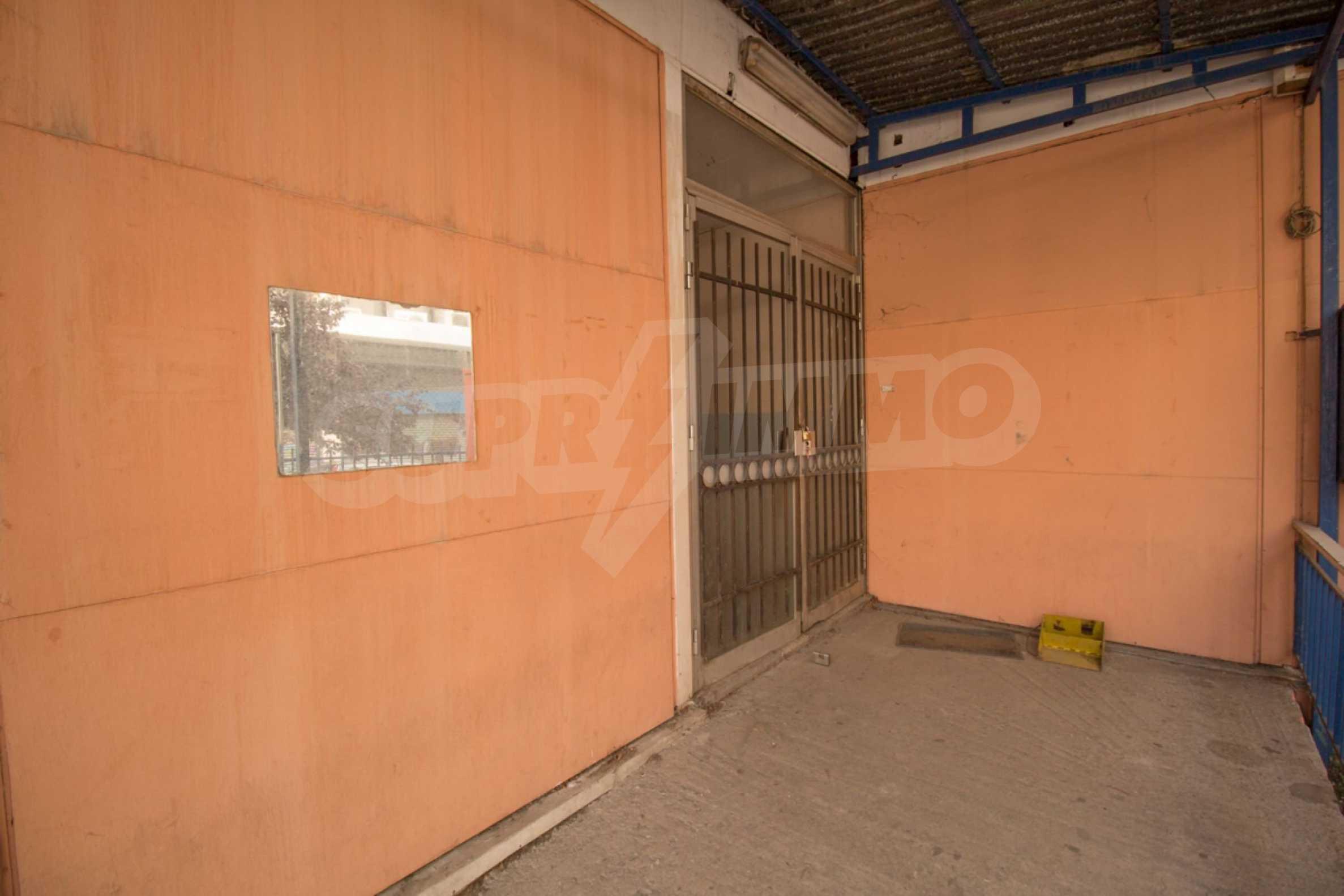 Магазин  в  Thessaloniki city center 16