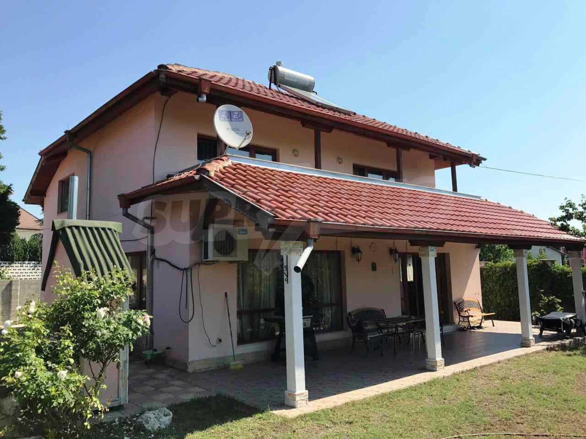 Чудесна къща в к.к. Св.Св. Константин и Елена 25
