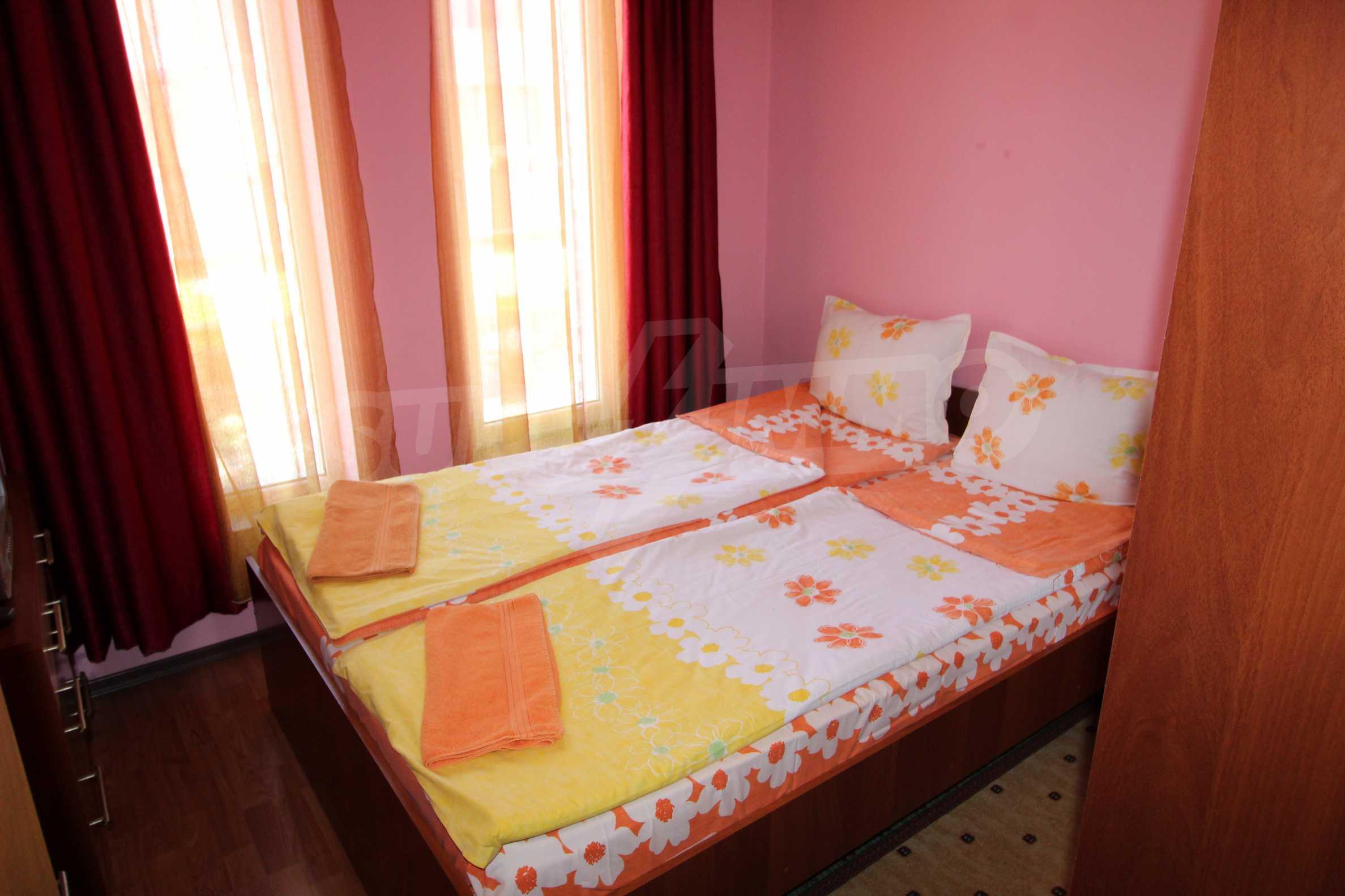 Светъл и уютен тристаен апартамент в Банско 3
