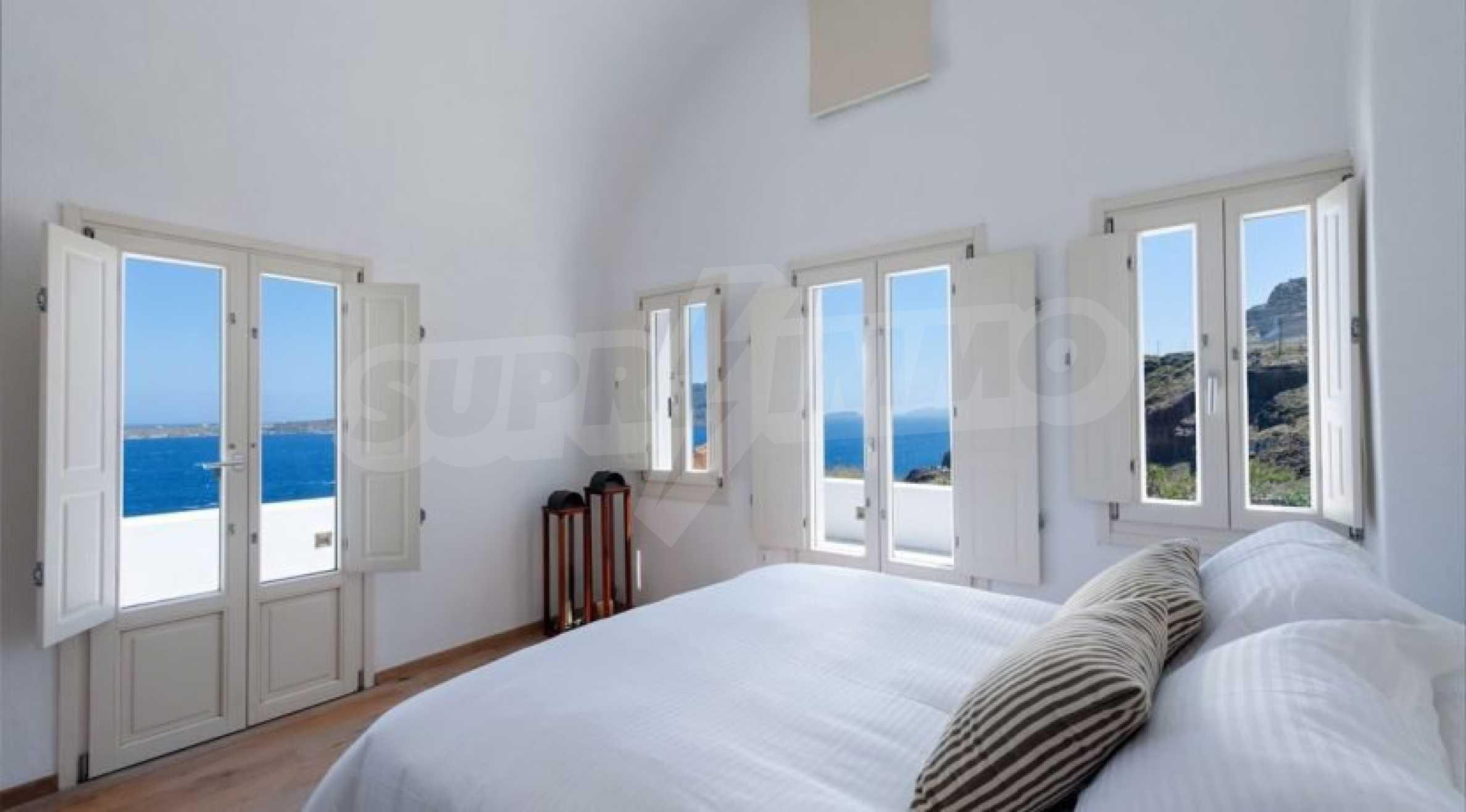 Грациозен имот с приказна гледка на остров Санторини 9