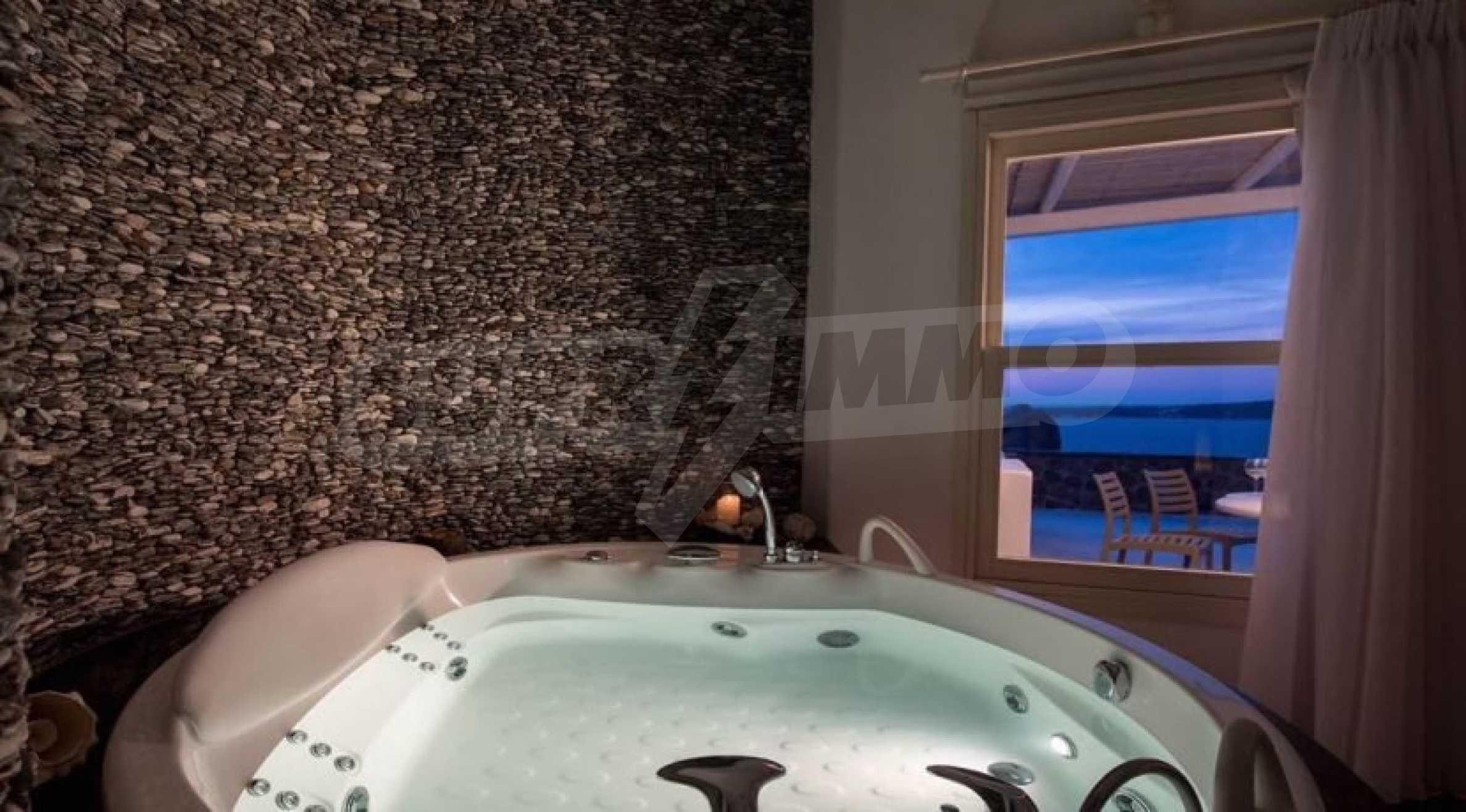 Грациозен имот с приказна гледка на остров Санторини 11